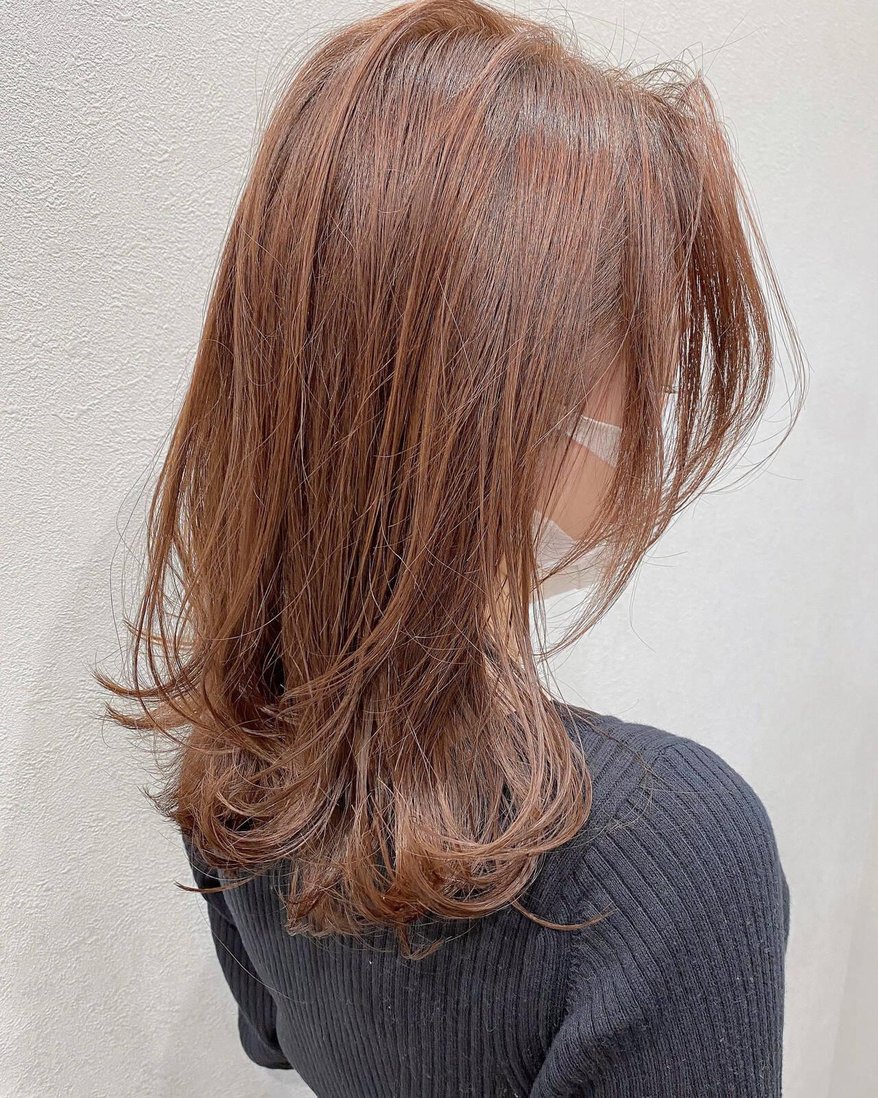 ゆる巻き 愛され フェミニン センターパートヘアスタイルや髪型の写真・画像