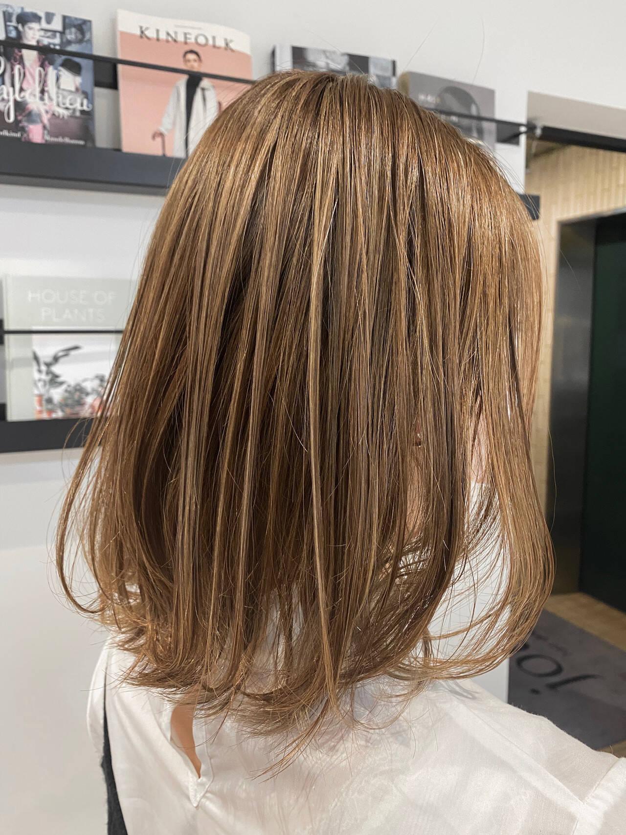 ヘッドスパ ミディアム ミディアムレイヤー ハイライトヘアスタイルや髪型の写真・画像