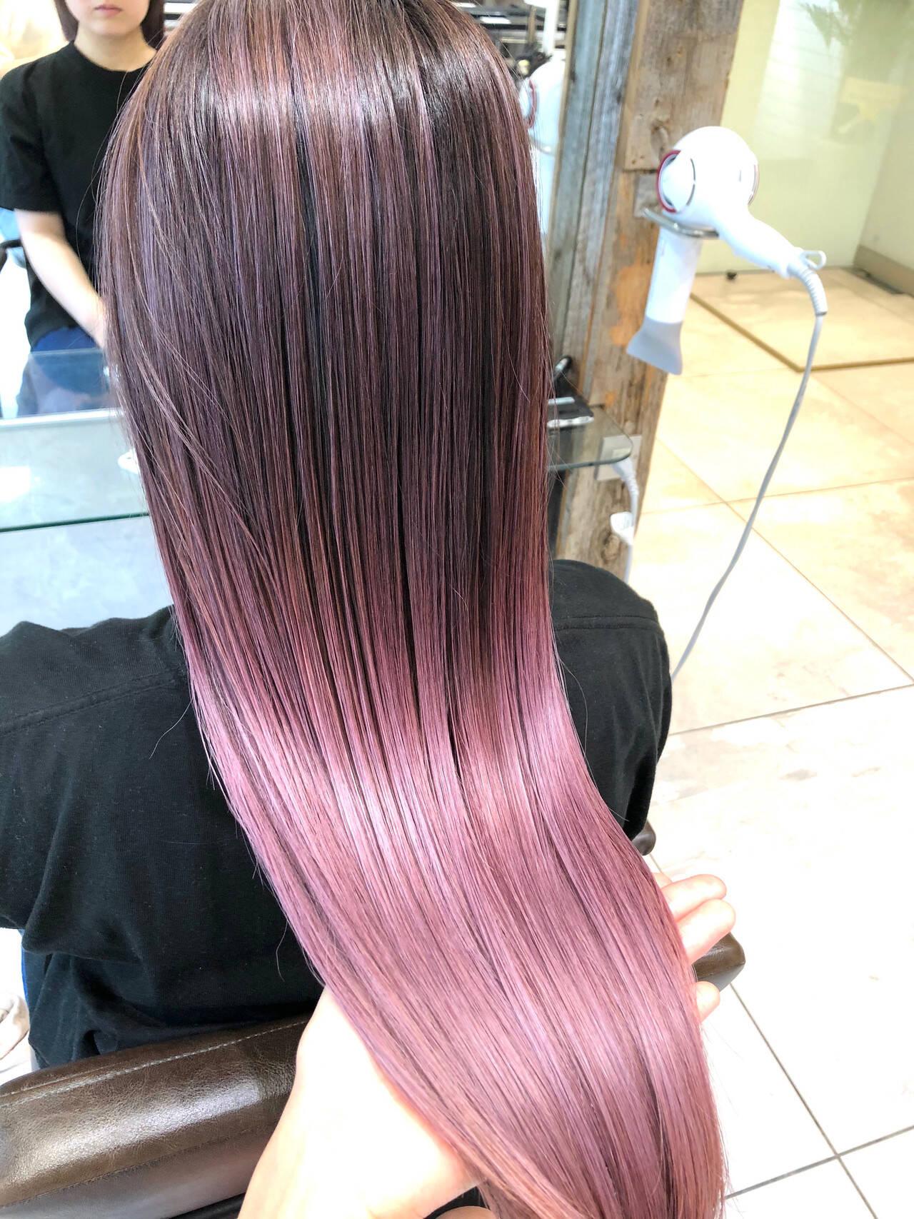 ハイライト ロング ピンクアッシュ ピンクパープルヘアスタイルや髪型の写真・画像