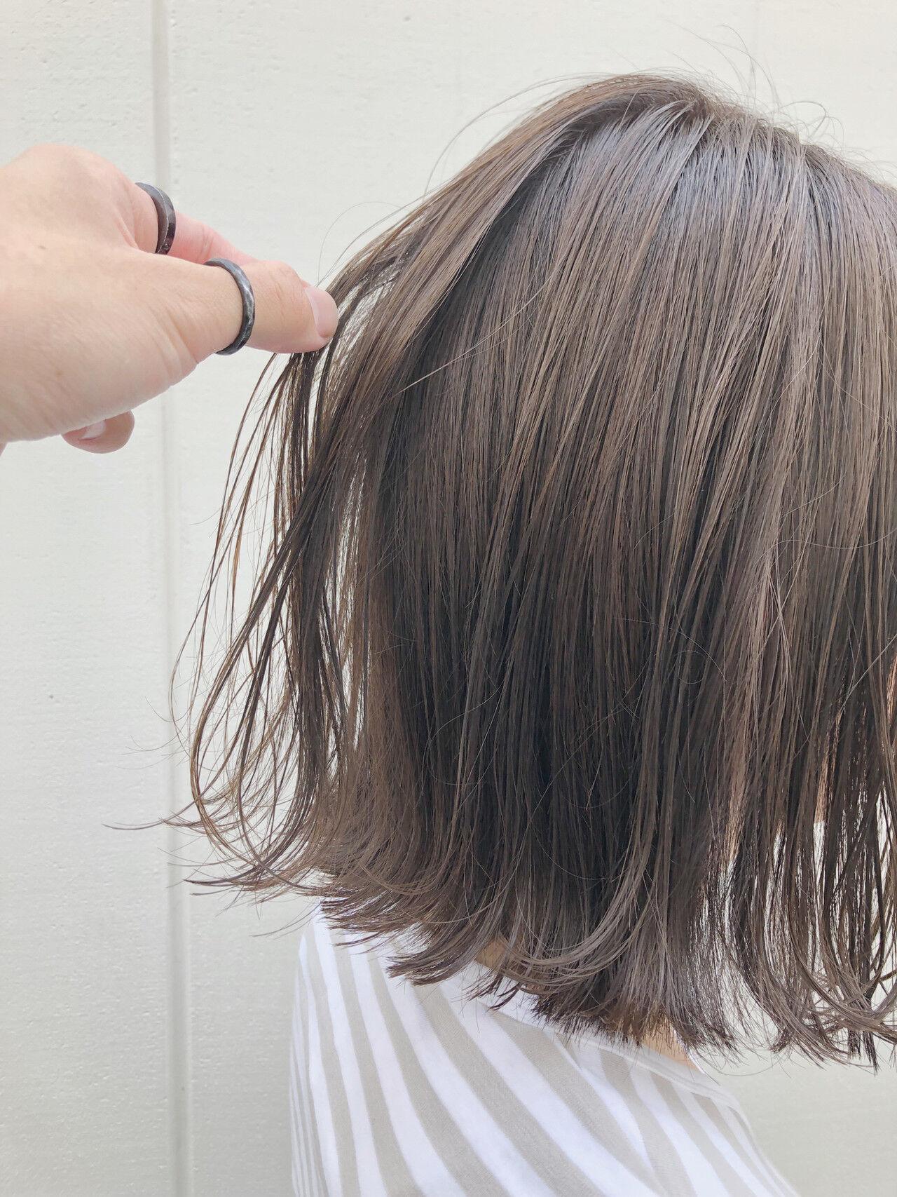 切りっぱなしボブ ナチュラル 透明感カラー カジュアルヘアスタイルや髪型の写真・画像
