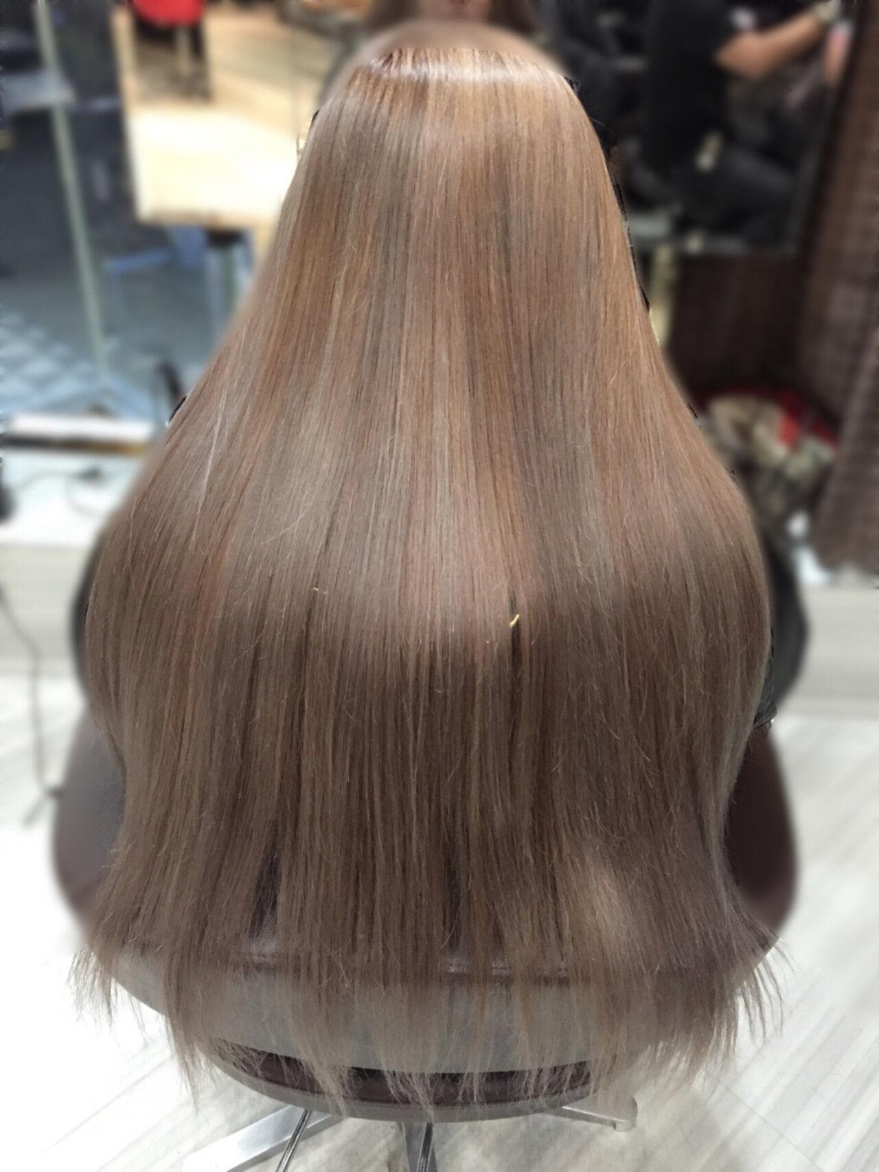 ロング ストリート アッシュベージュ ブラウンベージュヘアスタイルや髪型の写真・画像