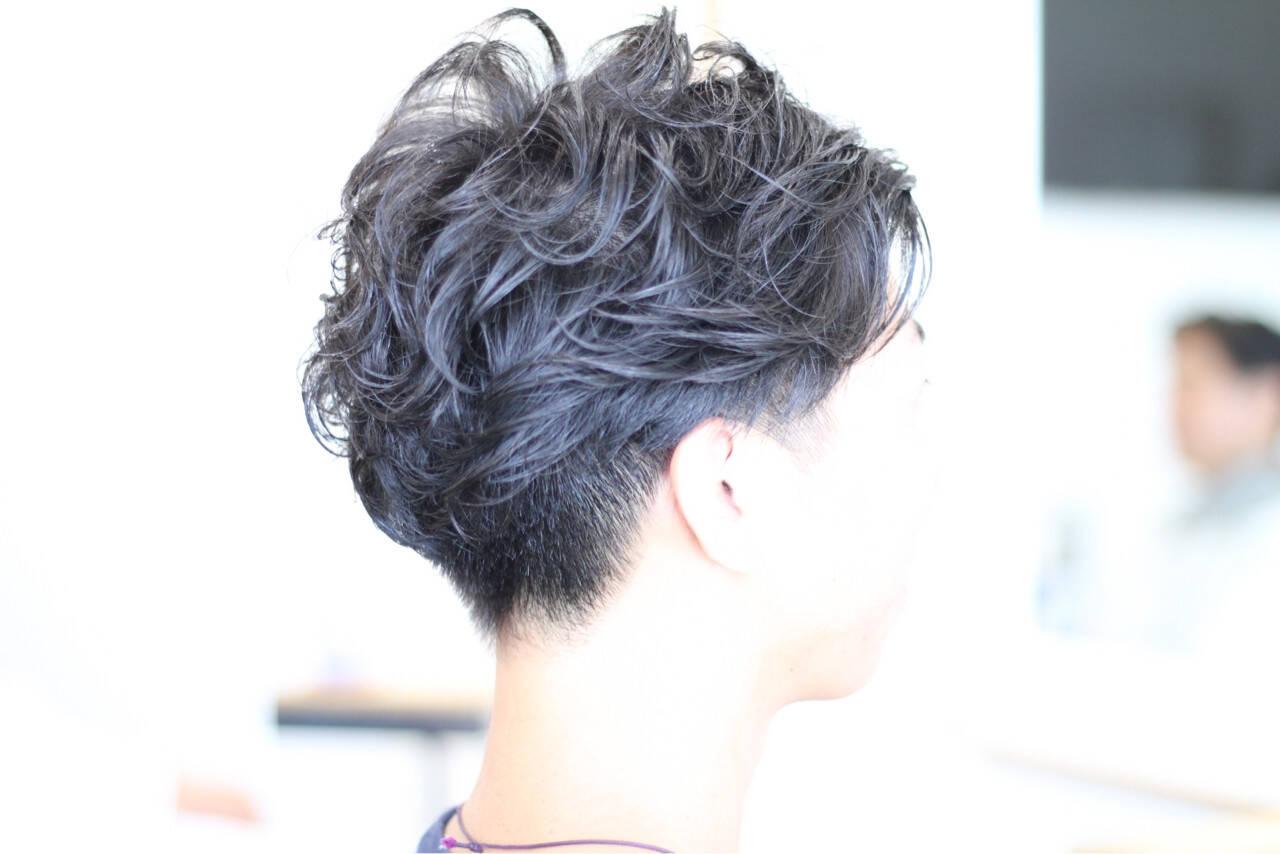 ボーイッシュ 坊主 ショート ナチュラルヘアスタイルや髪型の写真・画像