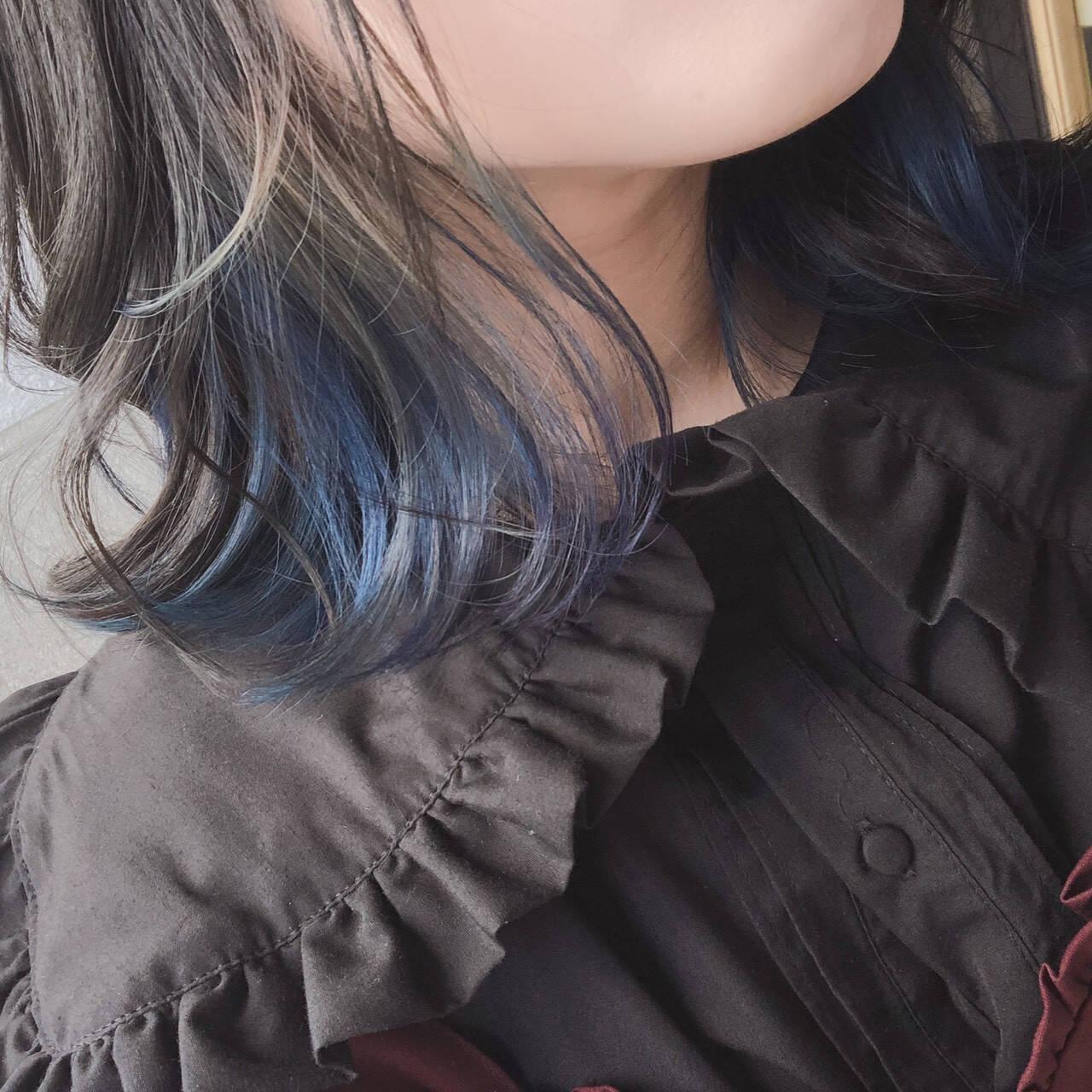 ブルーアッシュ ブルーラベンダー 青紫 インナーカラーヘアスタイルや髪型の写真・画像
