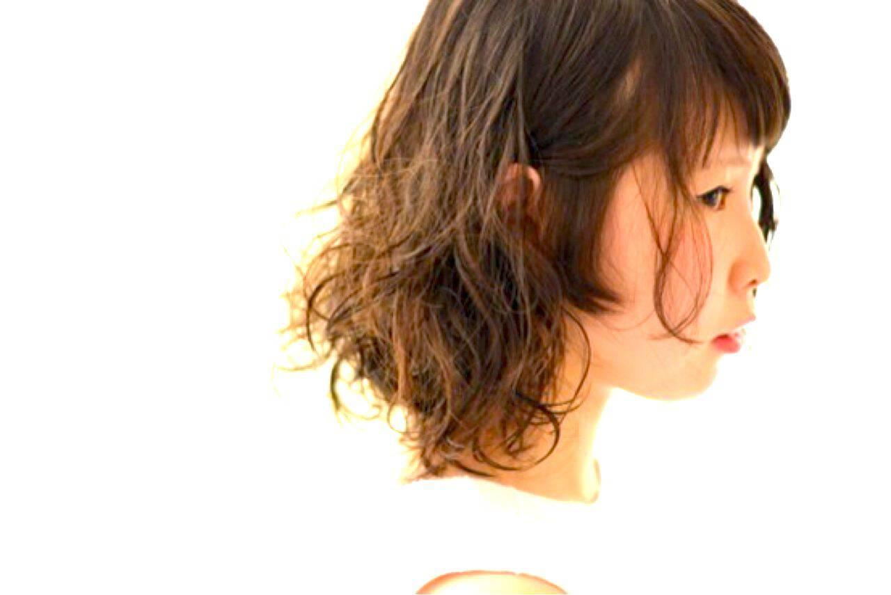 ミディアム モテ髪 パーマ ガーリーヘアスタイルや髪型の写真・画像