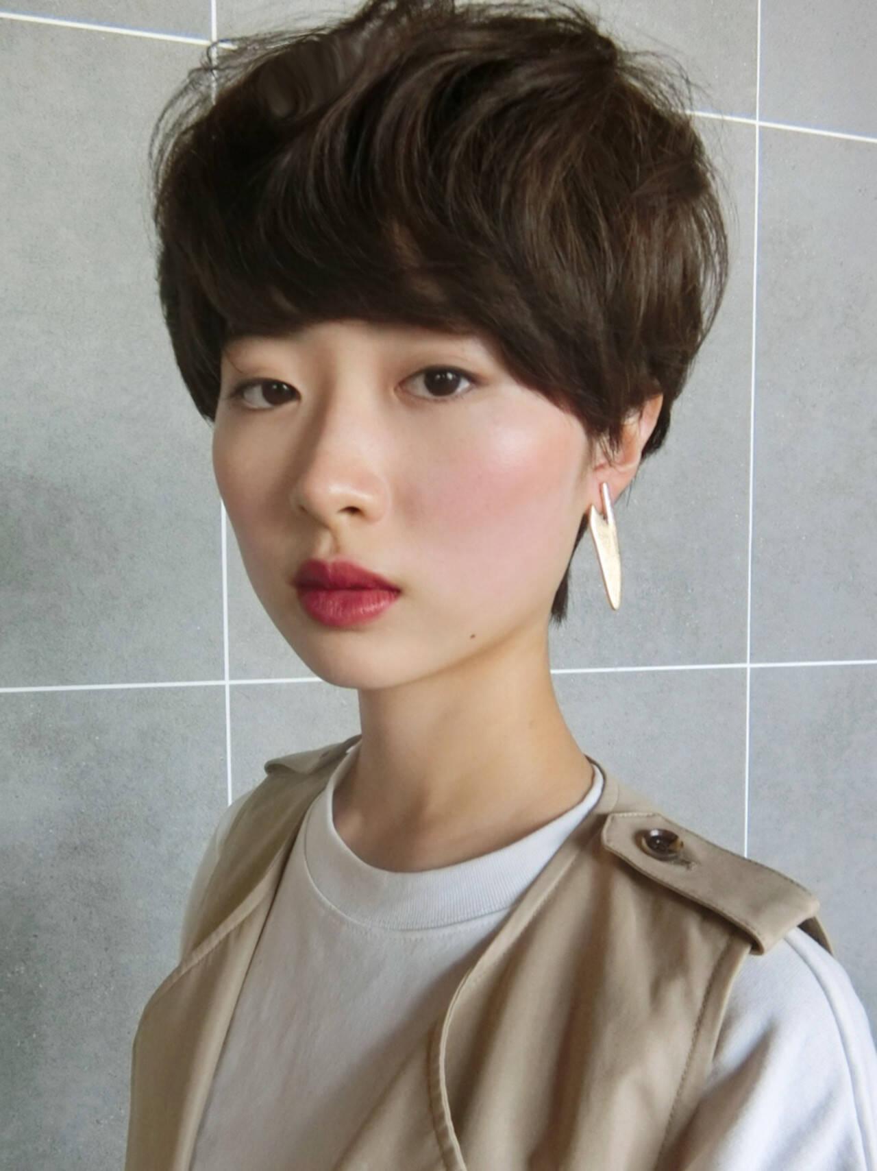 大人ショート ショート マッシュ 重めバングヘアスタイルや髪型の写真・画像