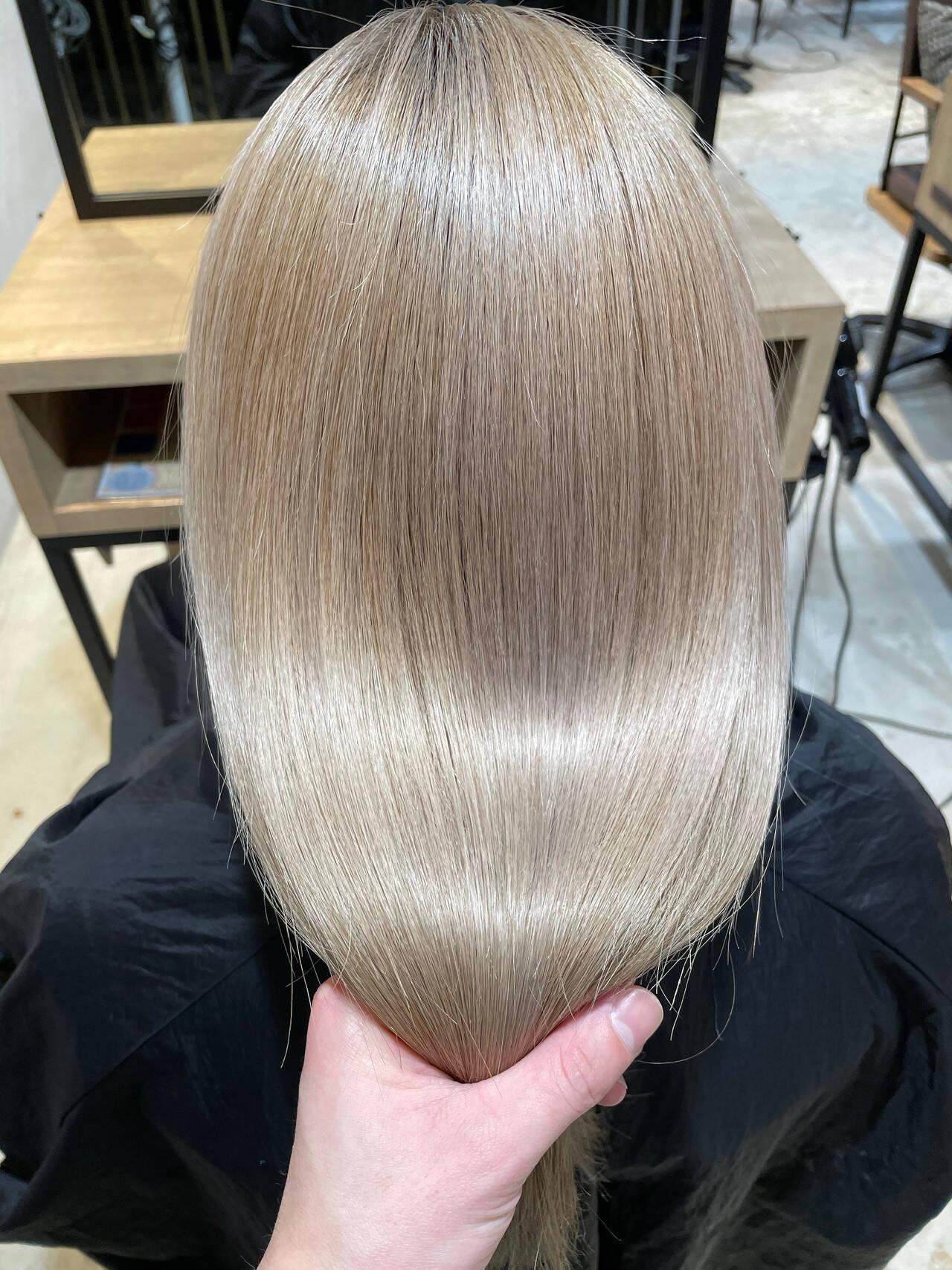 髪質改善 ブリーチオンカラー セミロング ナチュラルヘアスタイルや髪型の写真・画像