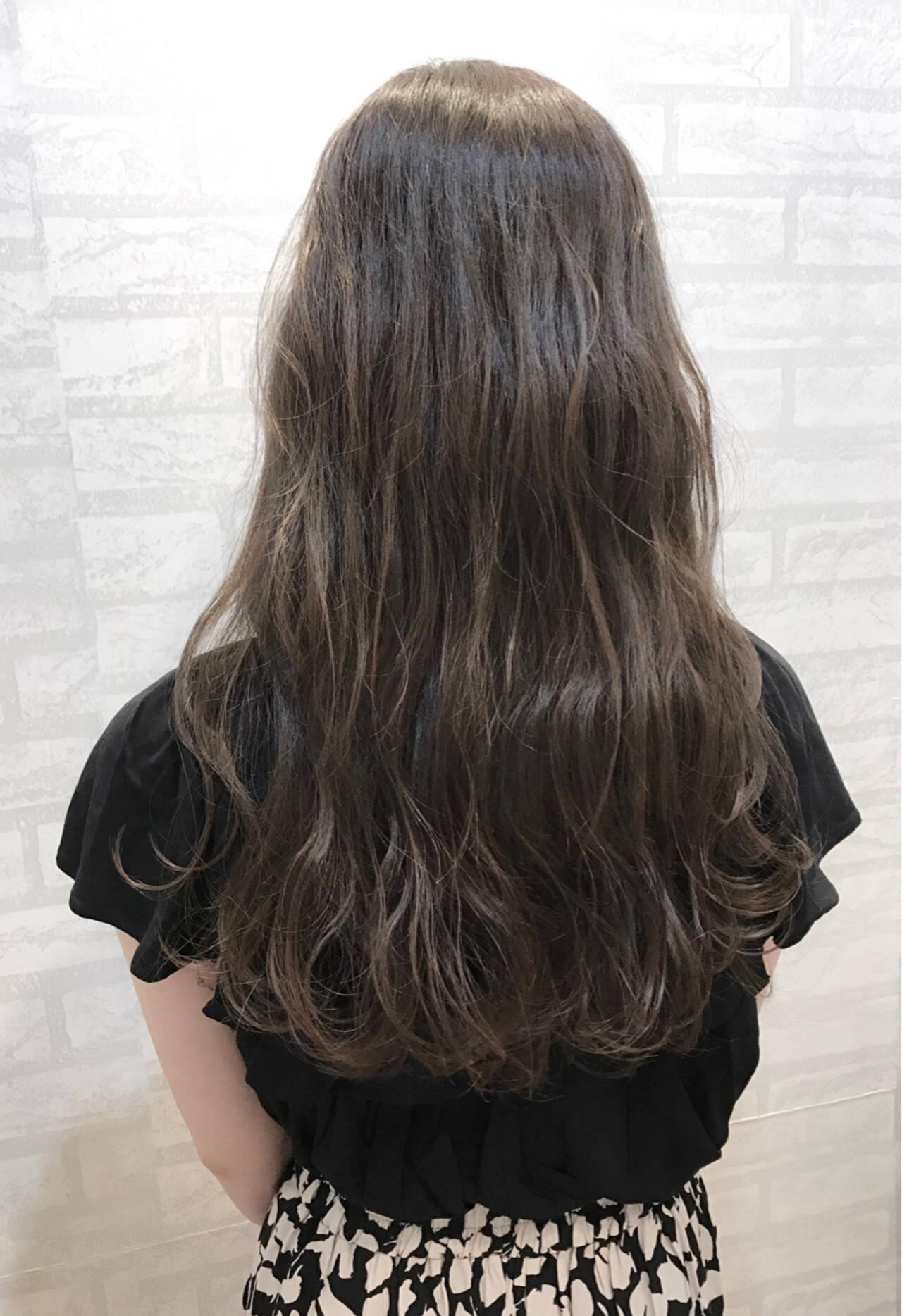 梅雨 アンニュイ リラックス エレガントヘアスタイルや髪型の写真・画像