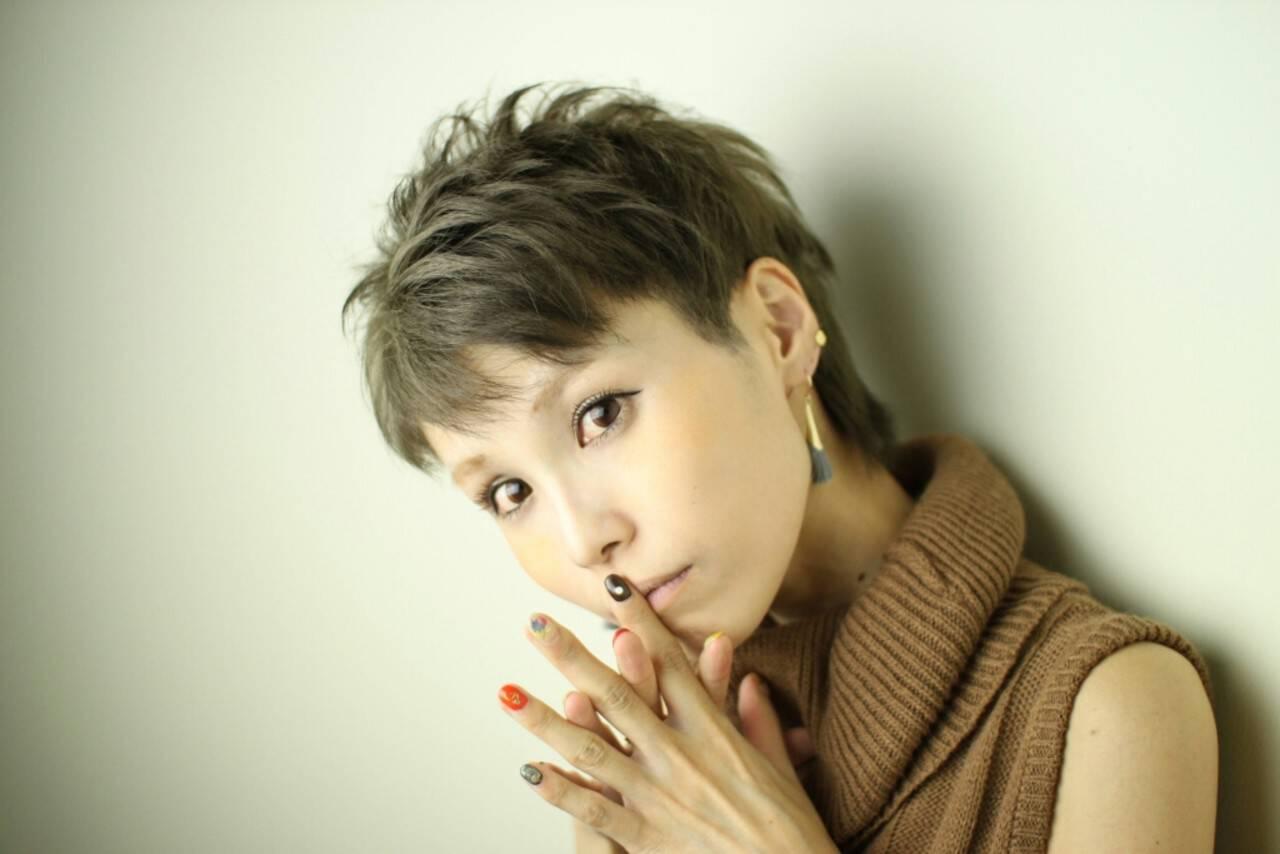 アッシュ 外国人風 ショート モードヘアスタイルや髪型の写真・画像