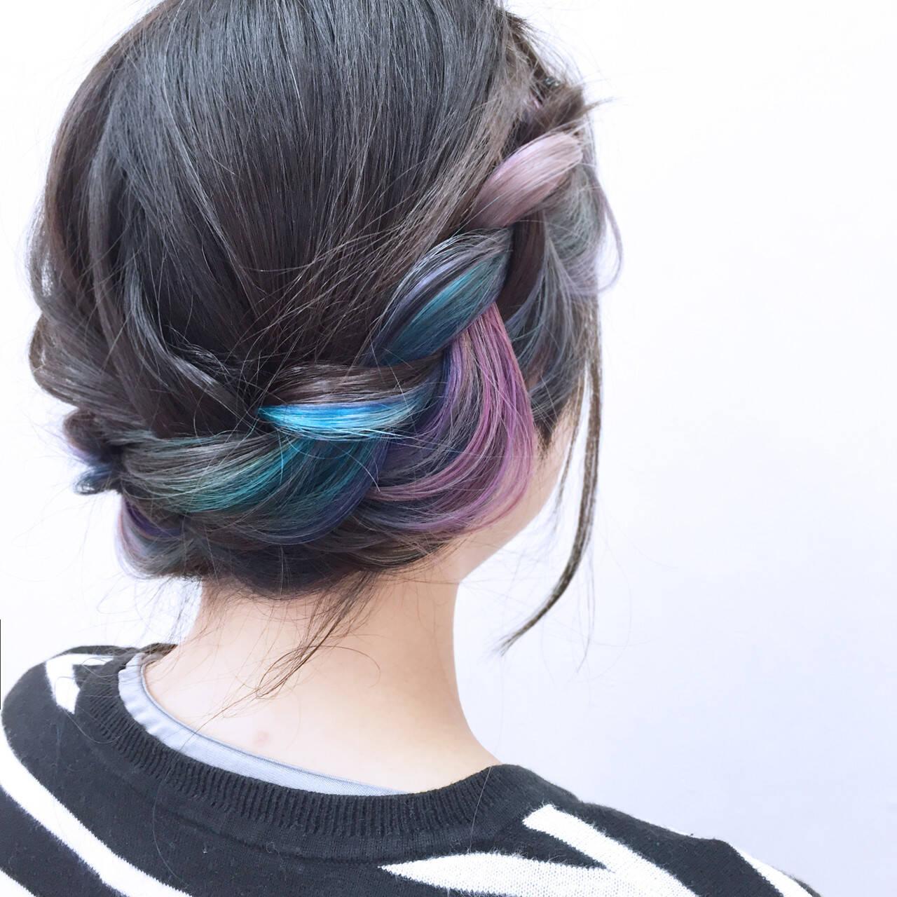 インナーカラー ヘアアレンジ かわいい カラフルカラーヘアスタイルや髪型の写真・画像