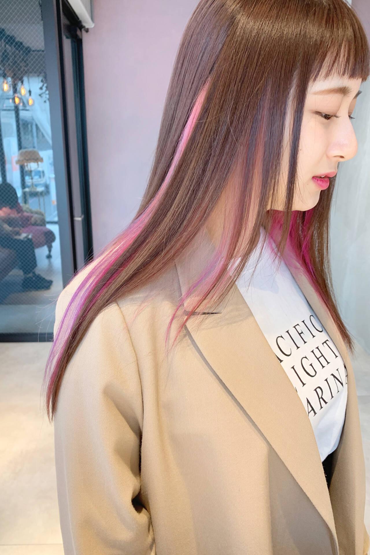インナーピンク 大人ロング インナーカラー 大人かわいいヘアスタイルや髪型の写真・画像