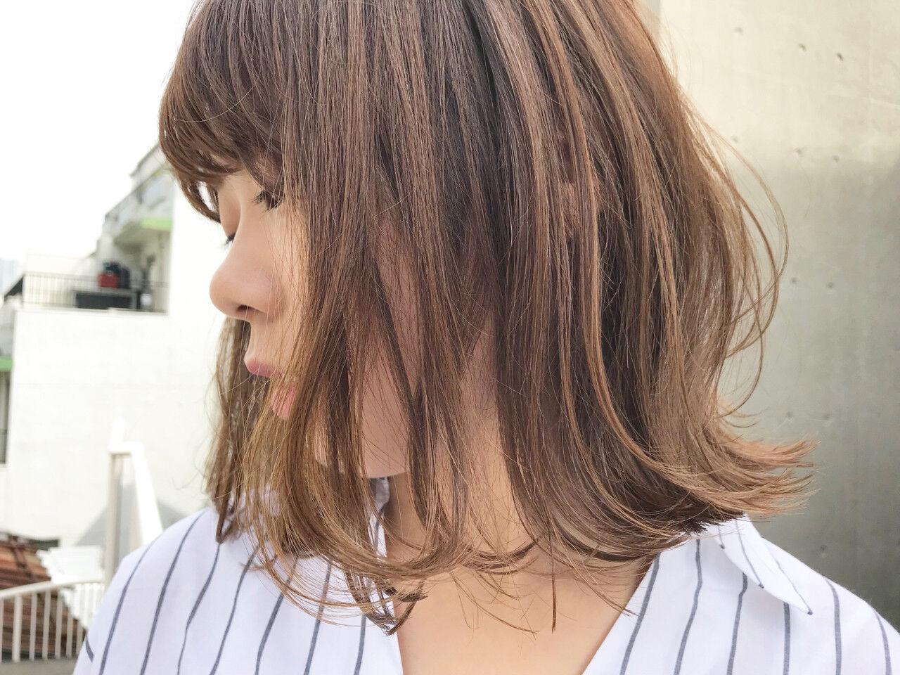 透明感 ロブ ウェーブ アンニュイヘアスタイルや髪型の写真・画像