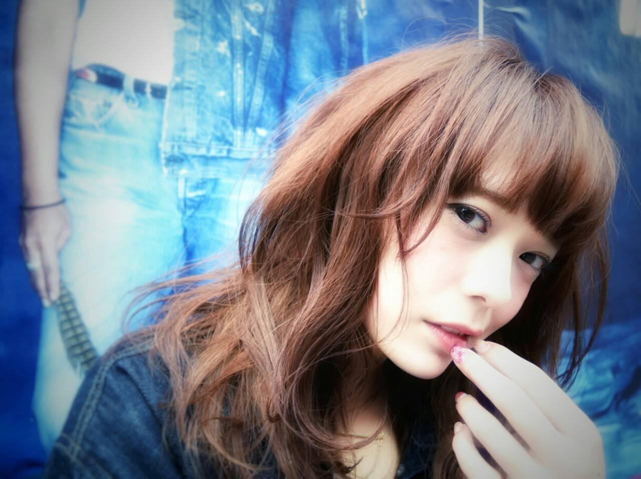 セミロング アッシュ 大人かわいい ストリートヘアスタイルや髪型の写真・画像