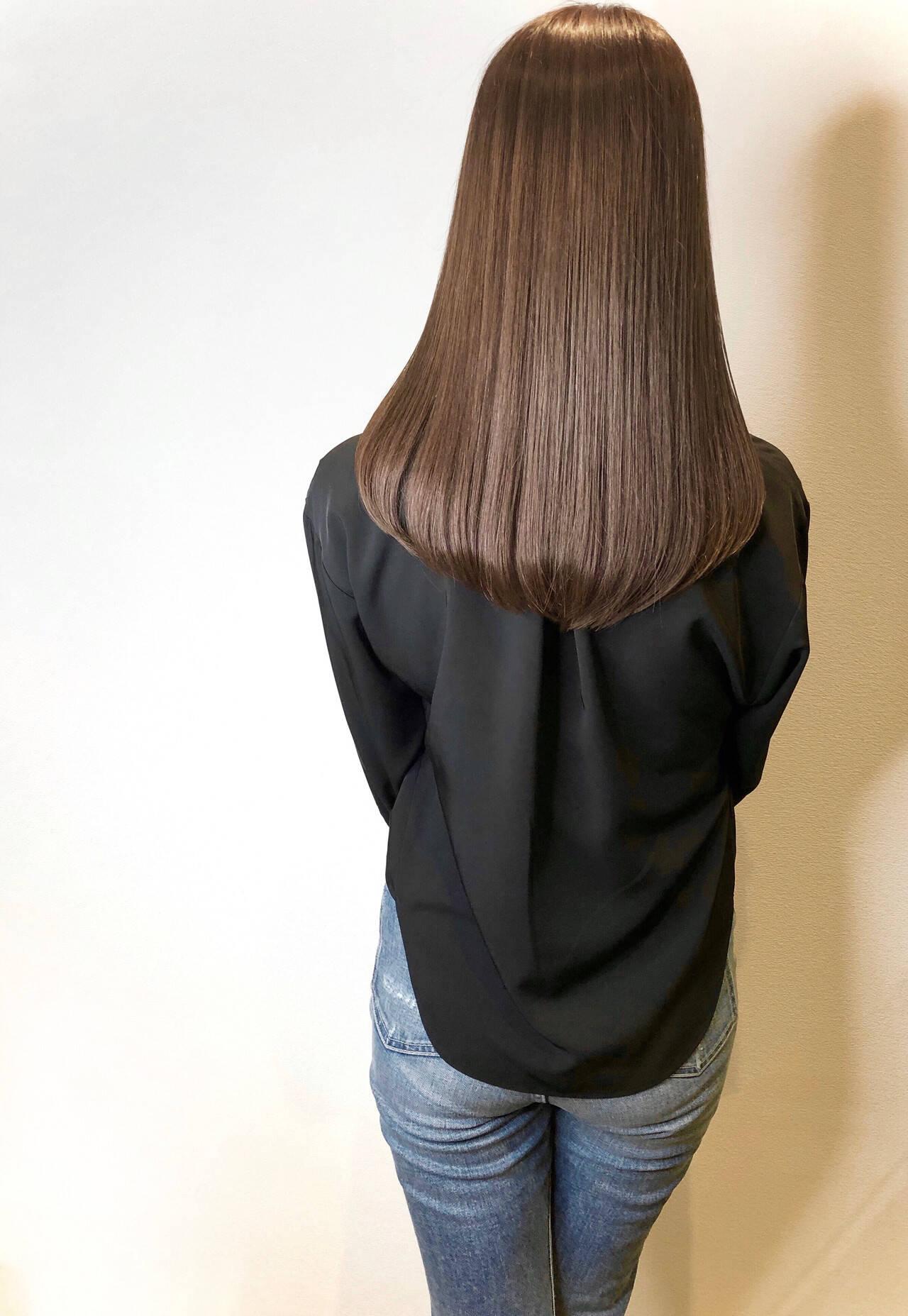 うる艶カラー マットグレージュ 艶カラー ナチュラルヘアスタイルや髪型の写真・画像