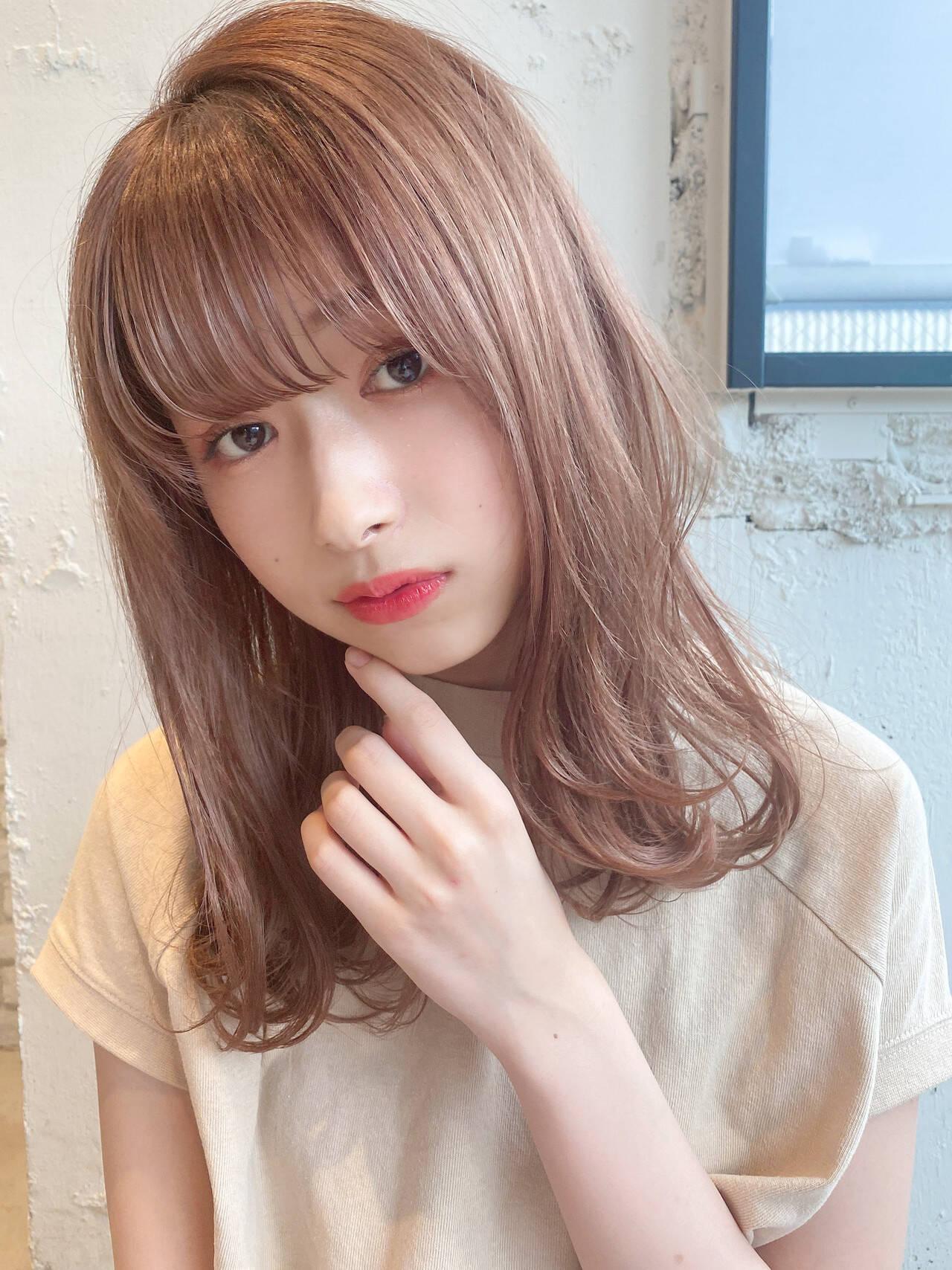 デート ヘアアレンジ ナチュラル セミロングヘアスタイルや髪型の写真・画像