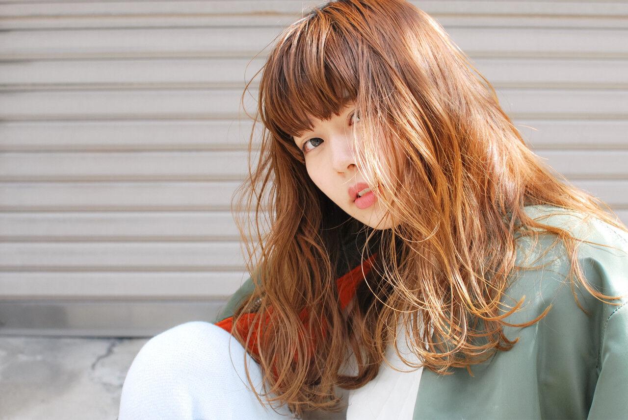 ストリート ウェットヘア 春 セミロングヘアスタイルや髪型の写真・画像