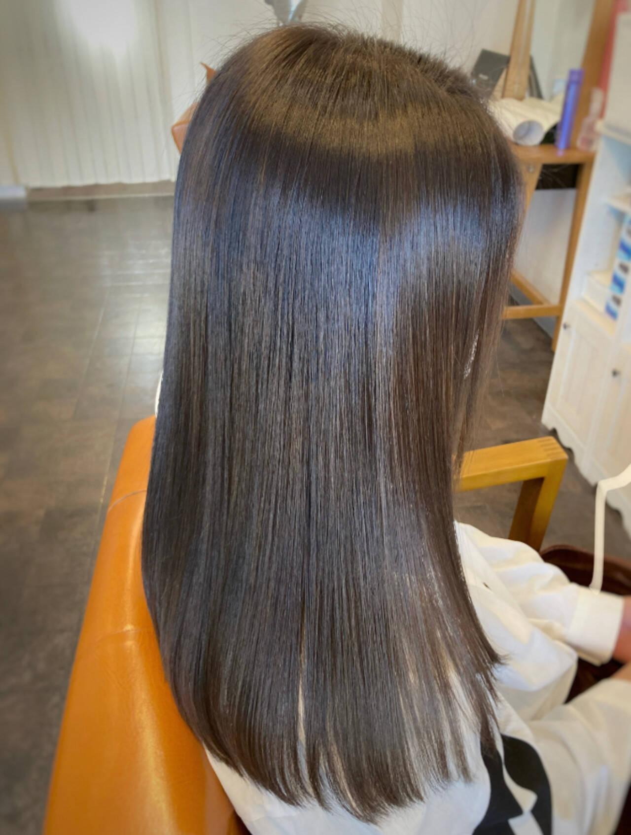 ナチュラル 縮毛矯正 トリートメント セミロングヘアスタイルや髪型の写真・画像