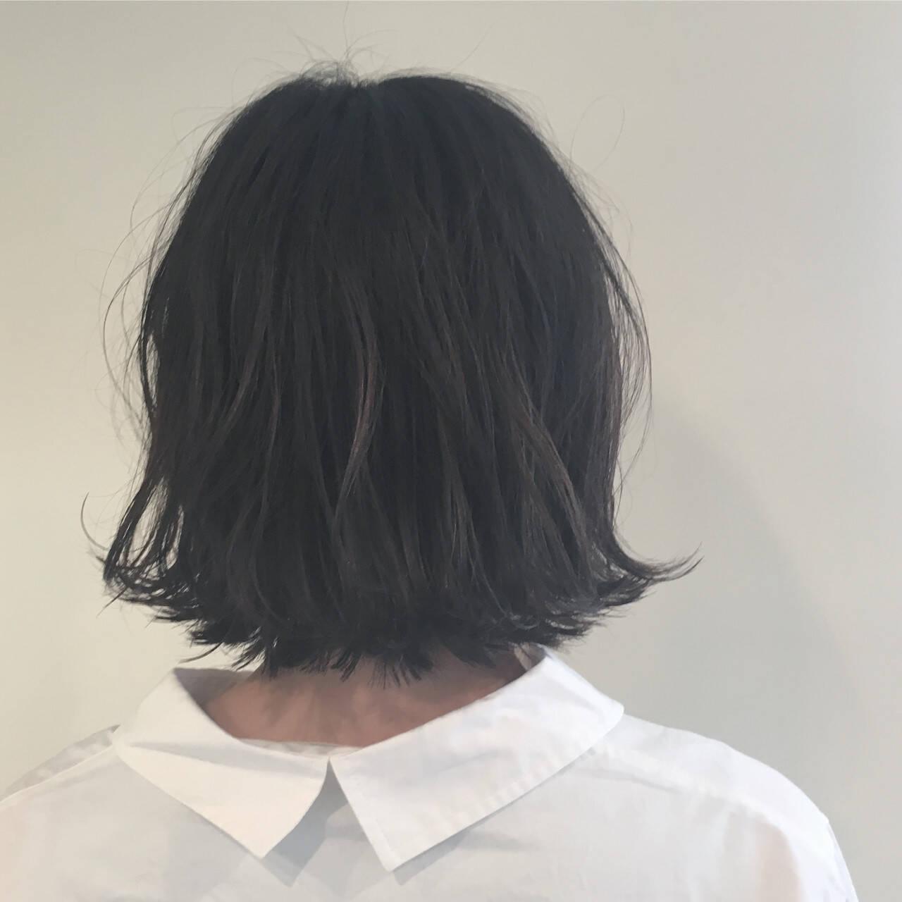 グレージュ 外ハネ 黒髪 ボブヘアスタイルや髪型の写真・画像