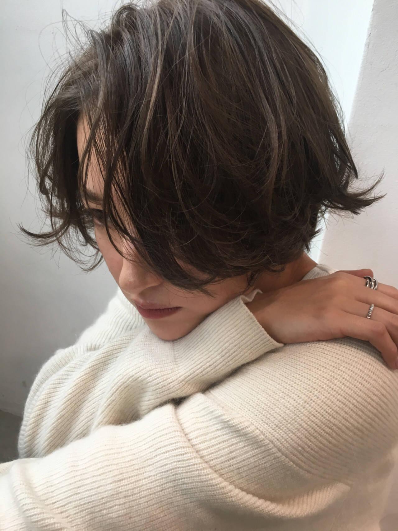 パーマ スポーツ ナチュラル デートヘアスタイルや髪型の写真・画像