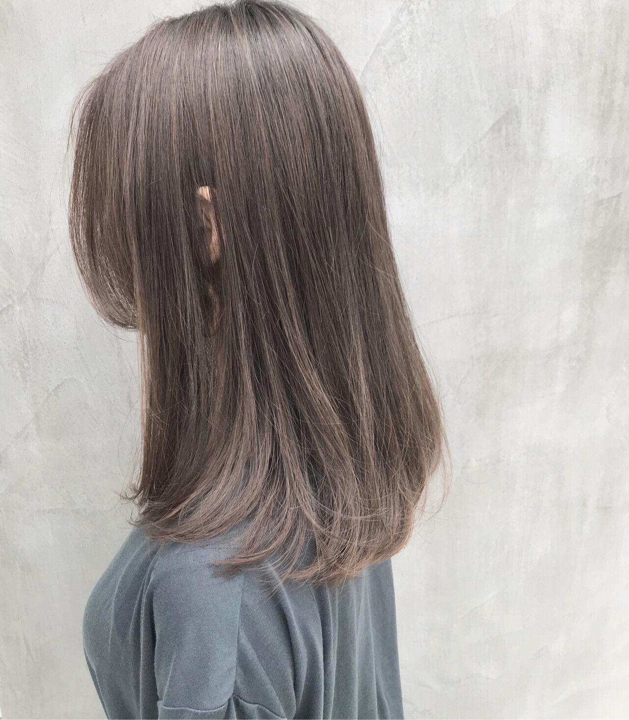 グレージュ アンニュイほつれヘア ロング ハイライトヘアスタイルや髪型の写真・画像