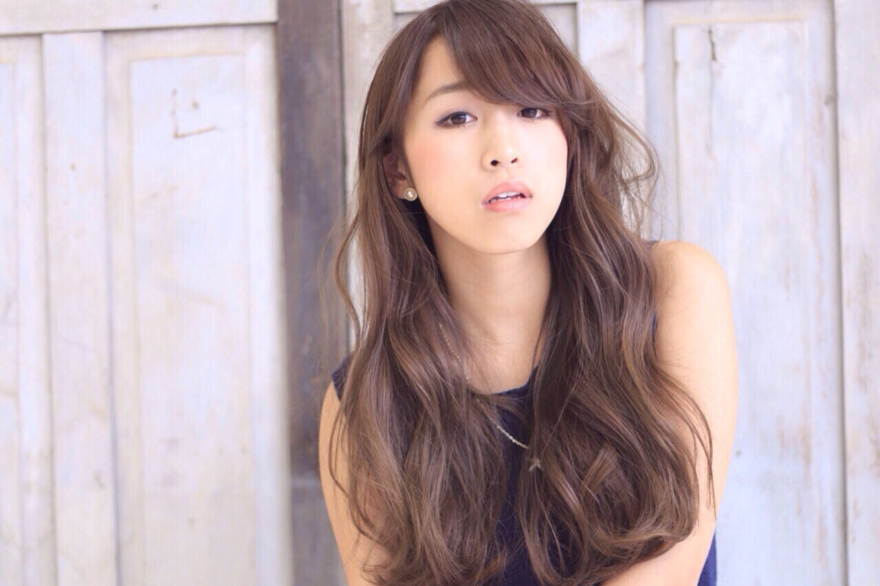 大人かわいい フェミニン ロング ナチュラルヘアスタイルや髪型の写真・画像