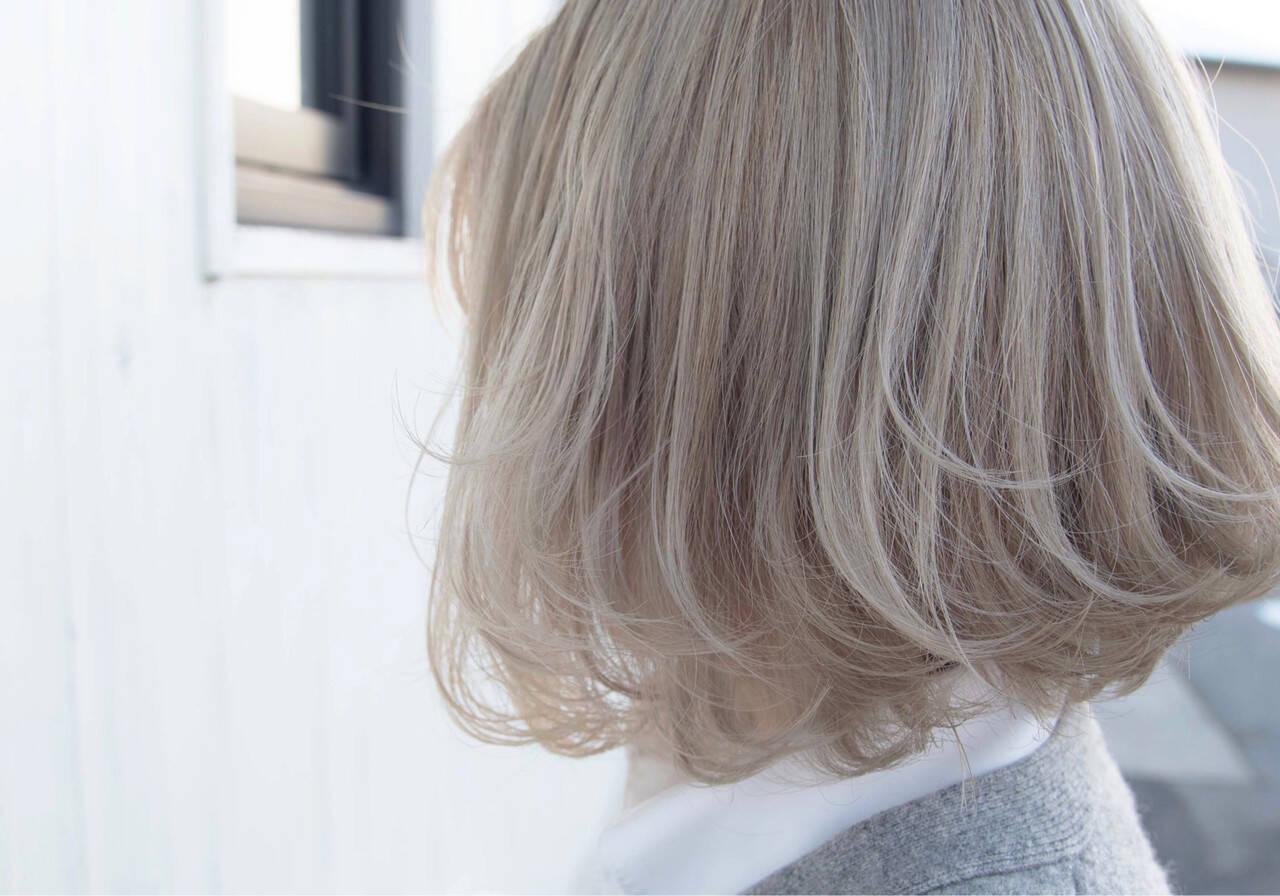 ストリート ホワイトハイライト ホワイトグレージュ ホワイトアッシュヘアスタイルや髪型の写真・画像