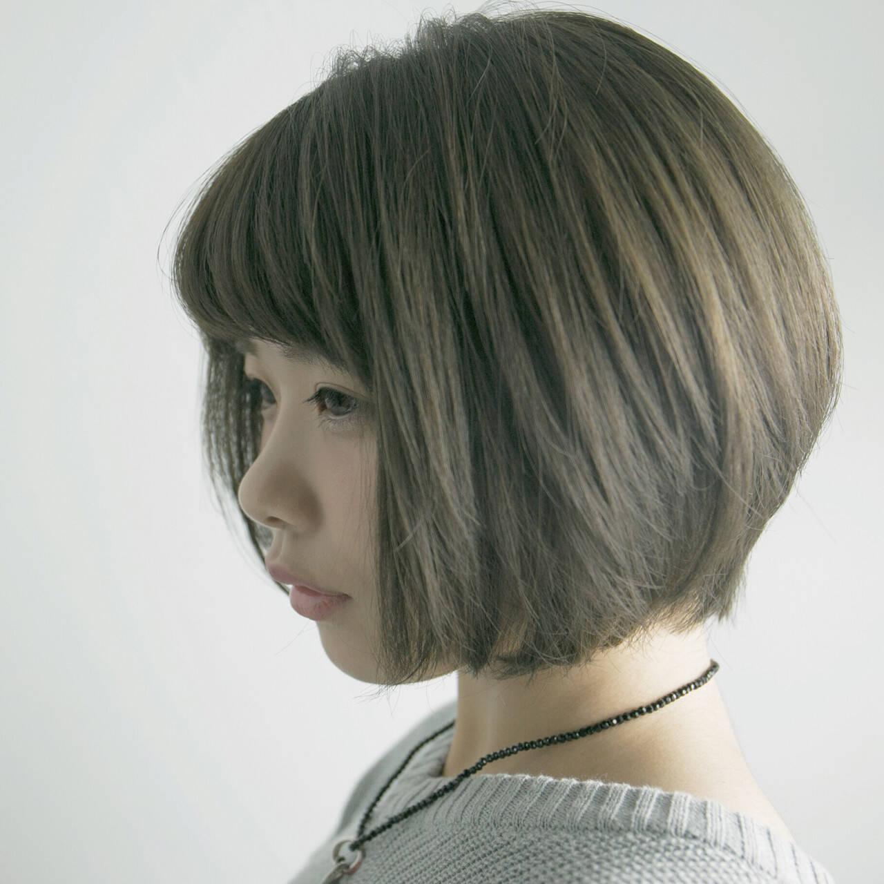ナチュラル グレージュ ボブ ニュアンスヘアスタイルや髪型の写真・画像