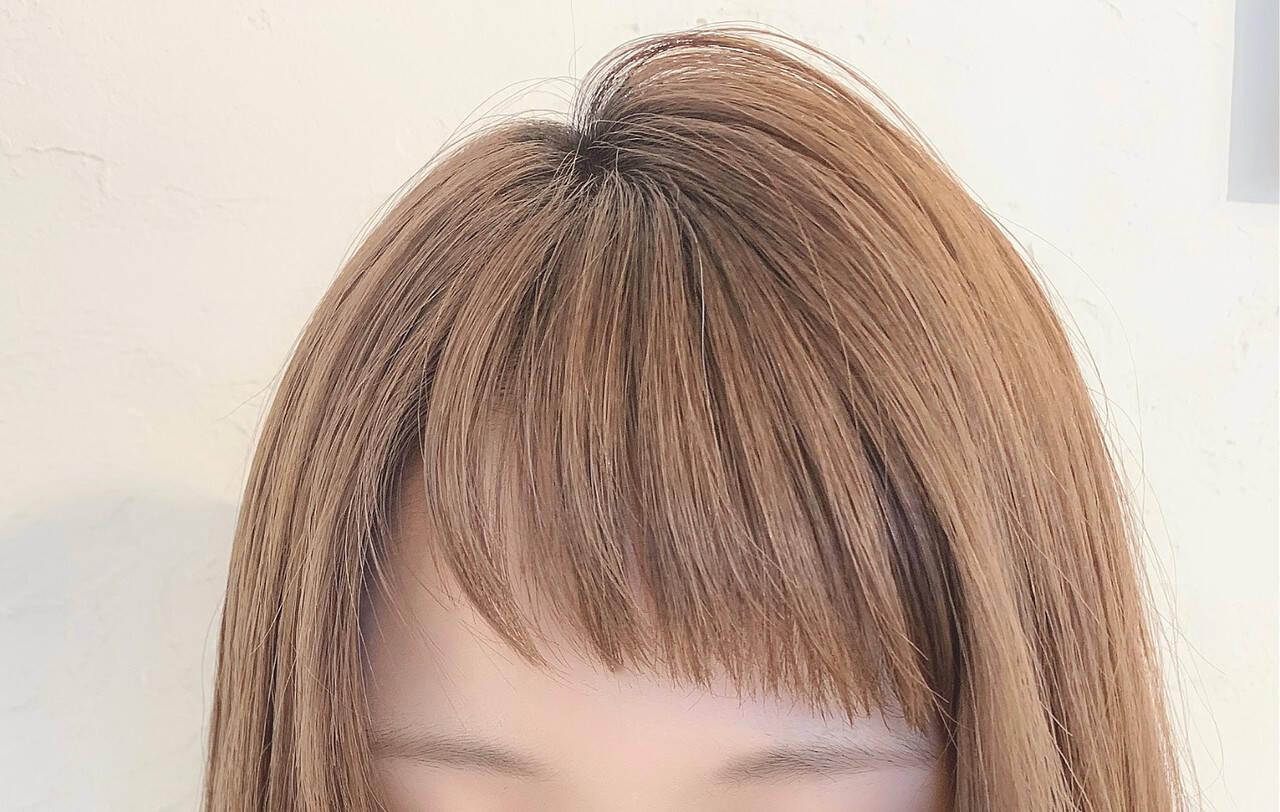 ショート オン眉 前髪 フェミニンヘアスタイルや髪型の写真・画像