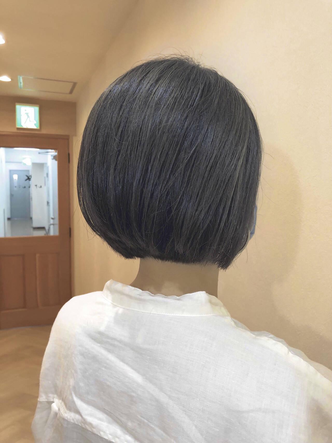 アディクシーカラー ナチュラル グレージュ ミニボブヘアスタイルや髪型の写真・画像