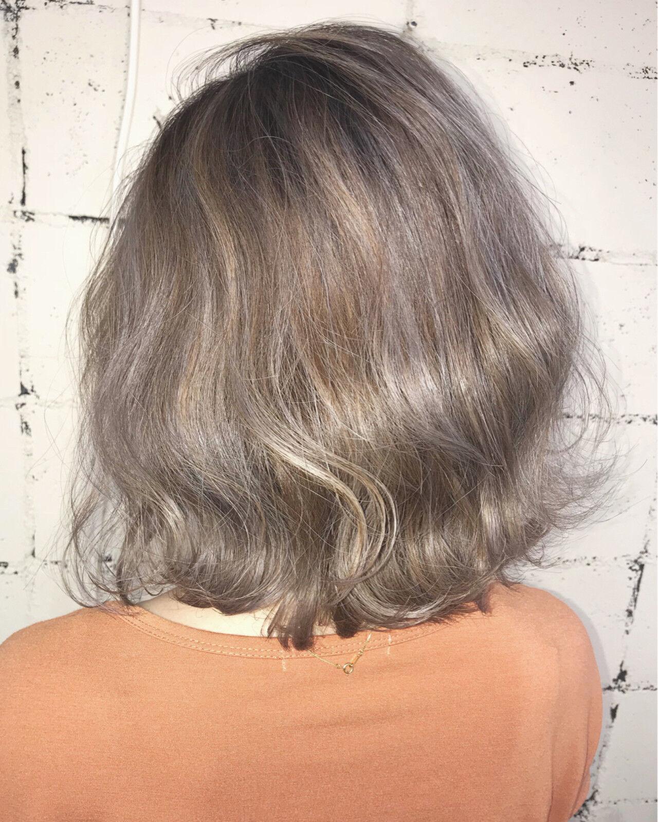 外国人風 ミルクティーベージュ 透明感 フェミニンヘアスタイルや髪型の写真・画像