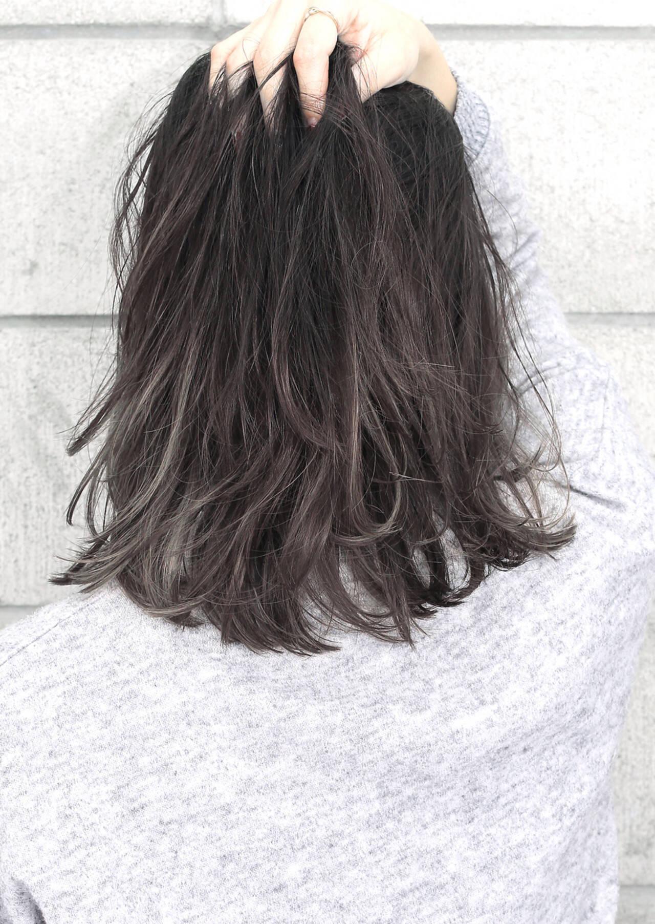 暗髪 外国人風 ミディアム 黒髪ヘアスタイルや髪型の写真・画像