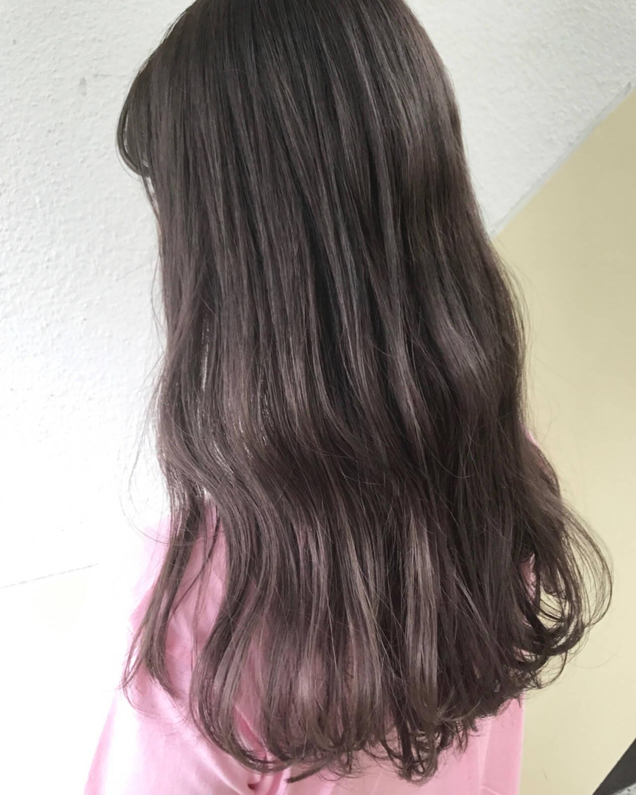 ダブルカラー ラベンダーアッシュ ストリート ロングヘアスタイルや髪型の写真・画像