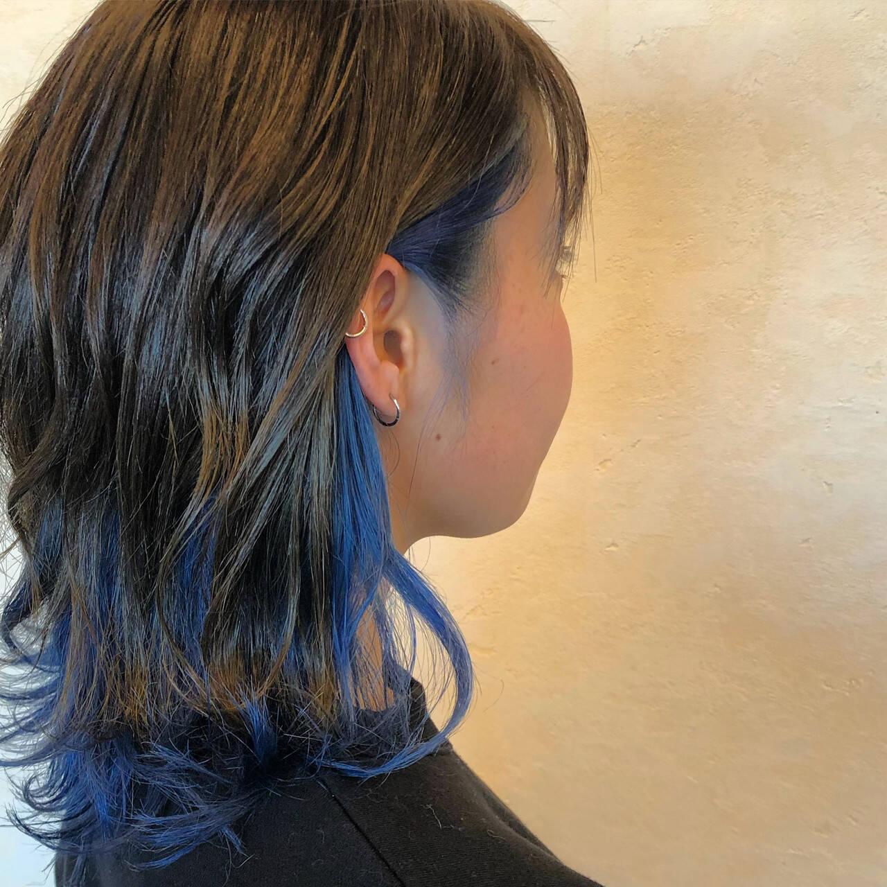 ミディアム ストリート インナーカラー 切りっぱなしボブヘアスタイルや髪型の写真・画像