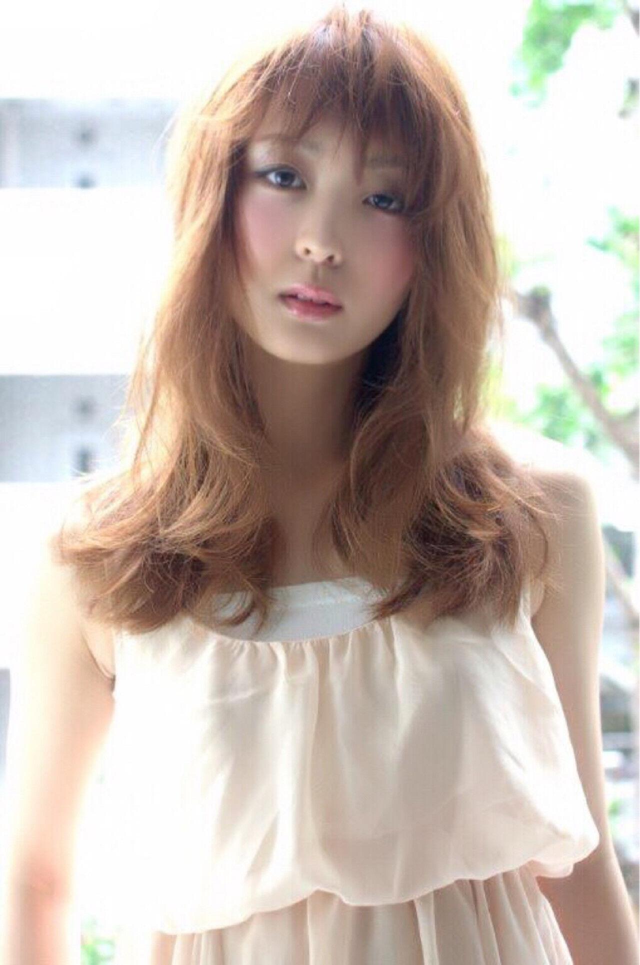 夏 ふわふわ ヘアアレンジ ウェーブヘアスタイルや髪型の写真・画像