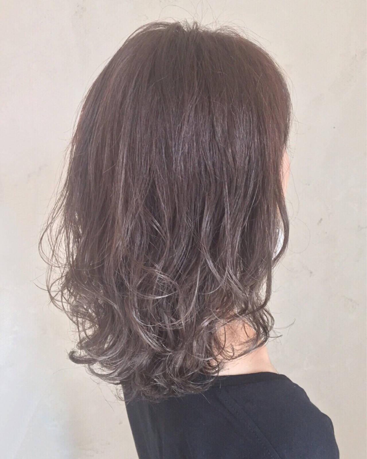 ナチュラル 透明感 グラデーションカラー イルミナカラーヘアスタイルや髪型の写真・画像
