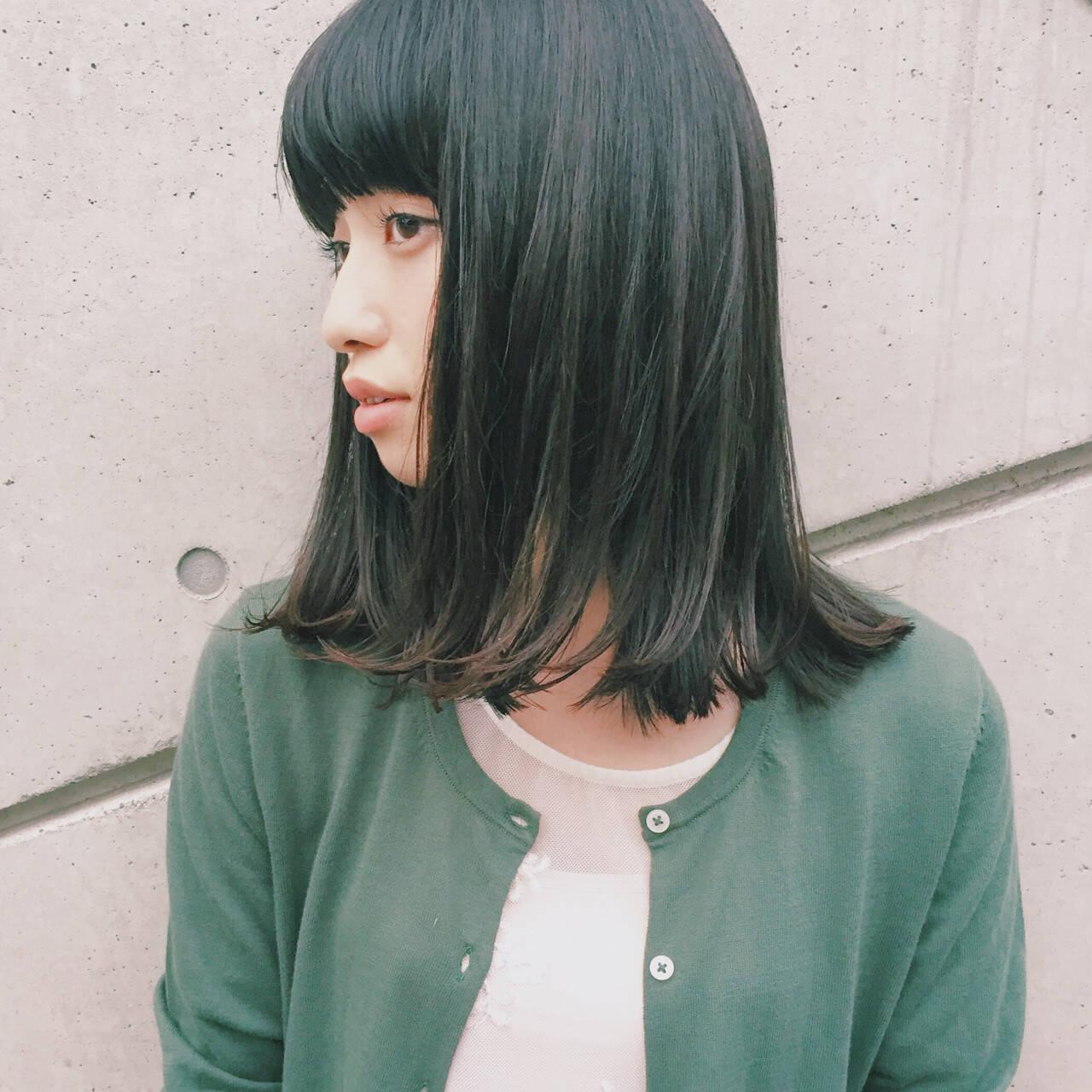 ワイドバング ミディアム ウェットヘア 暗髪ヘアスタイルや髪型の写真・画像