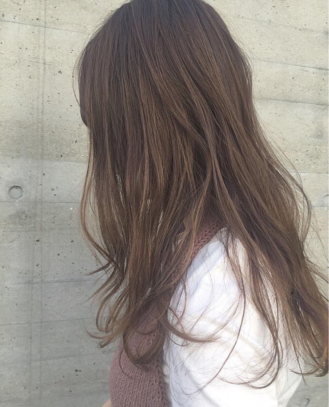 ナチュラル グレージュ セミロング ハイライトヘアスタイルや髪型の写真・画像