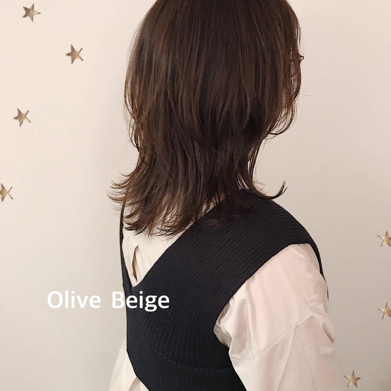 ミディアム ウルフレイヤー ウルフカット ニュアンスウルフヘアスタイルや髪型の写真・画像