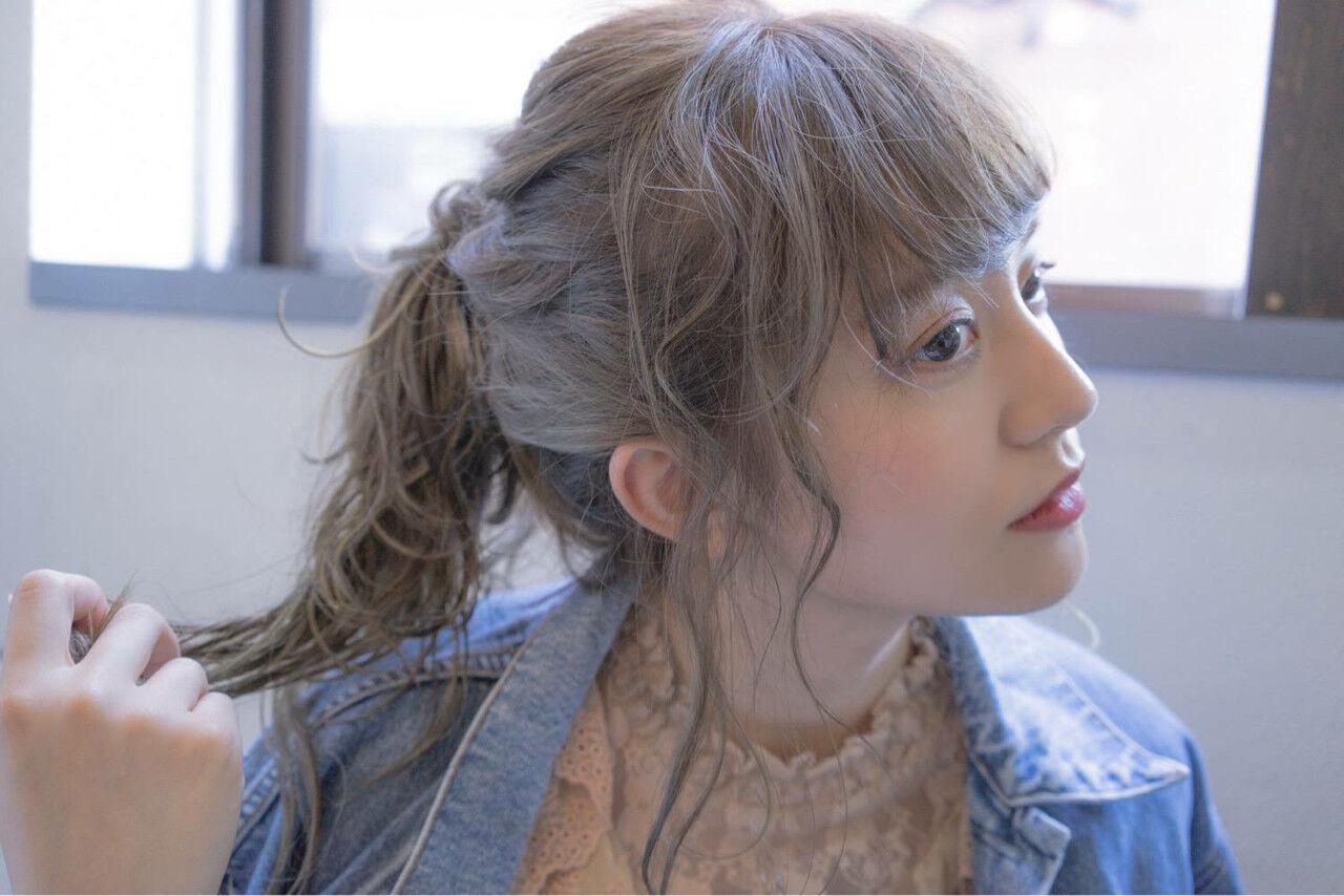 透明感 ミルクティーベージュ アッシュグレー 秋ヘアスタイルや髪型の写真・画像