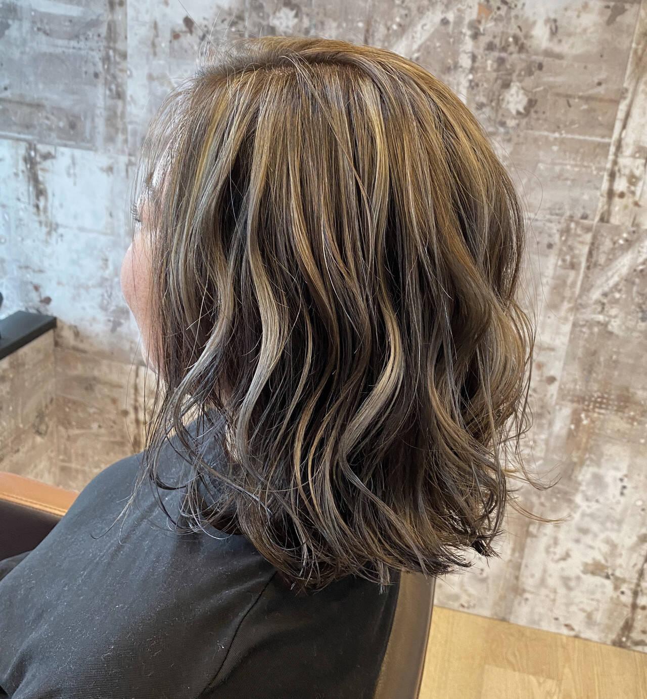 ミディアム ハイライト エレガント ショートヘアヘアスタイルや髪型の写真・画像