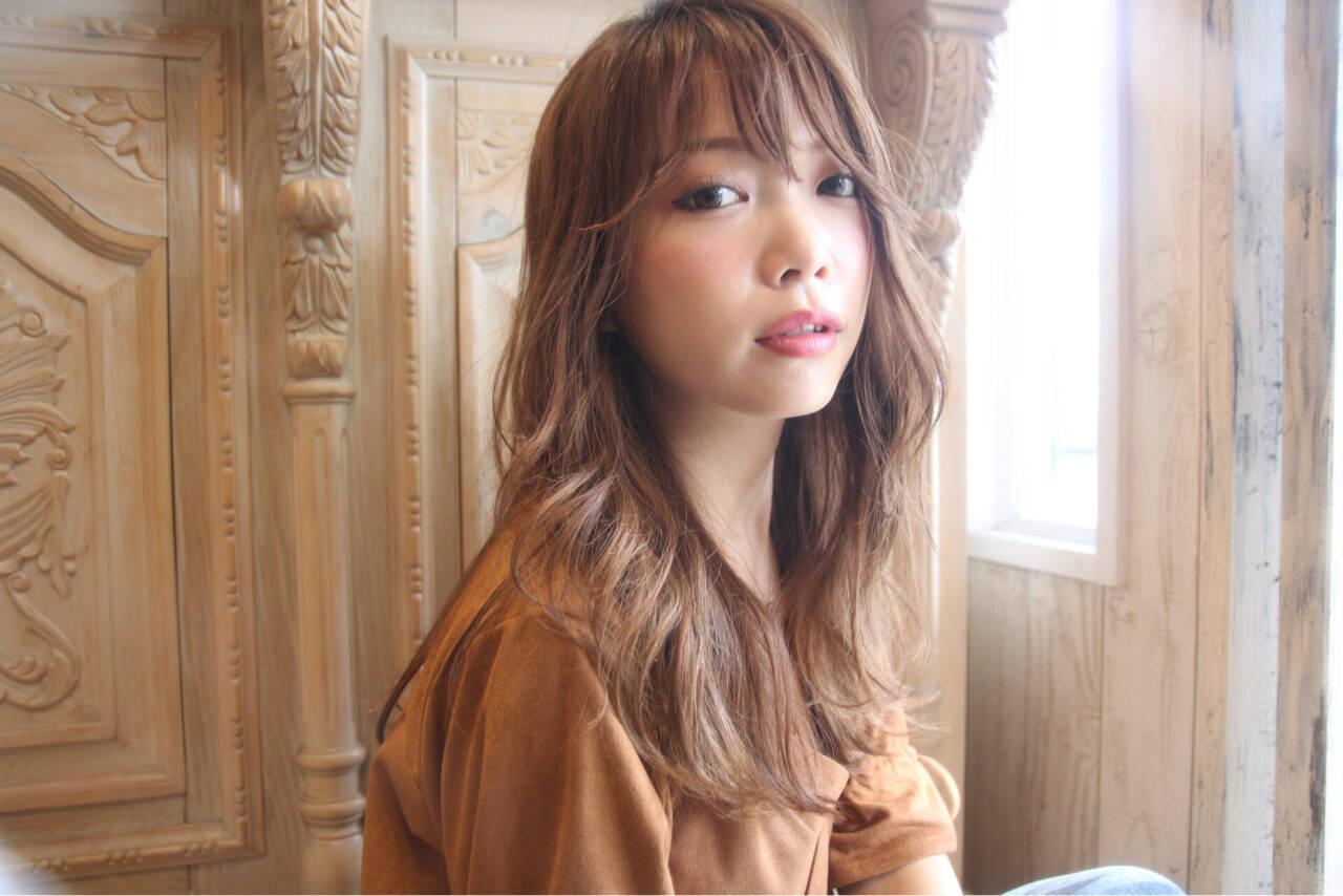 ロング リラックス 透明感 パーマヘアスタイルや髪型の写真・画像