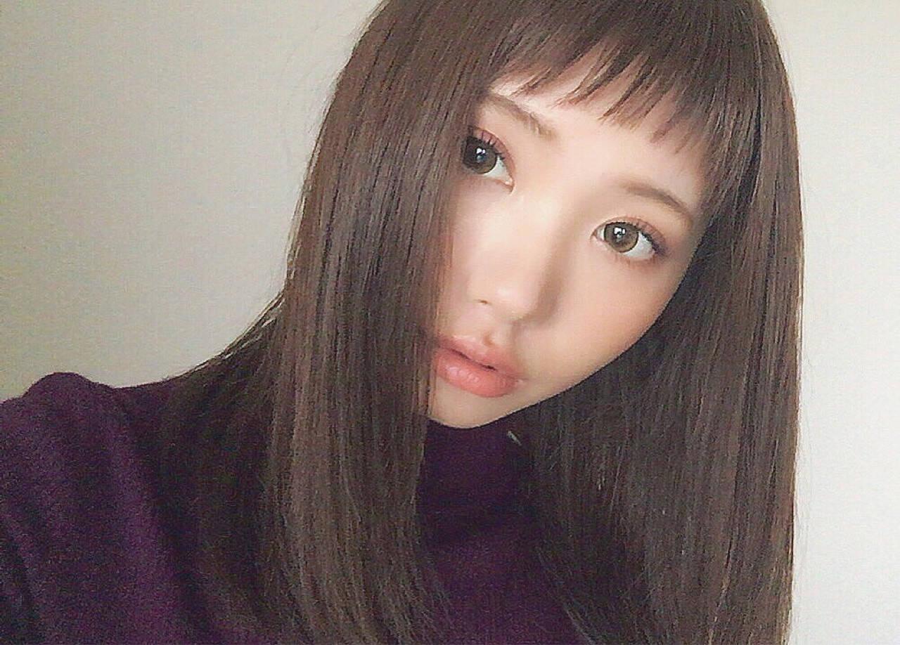 ミディアム 前髪あり ナチュラル 暗髪ヘアスタイルや髪型の写真・画像