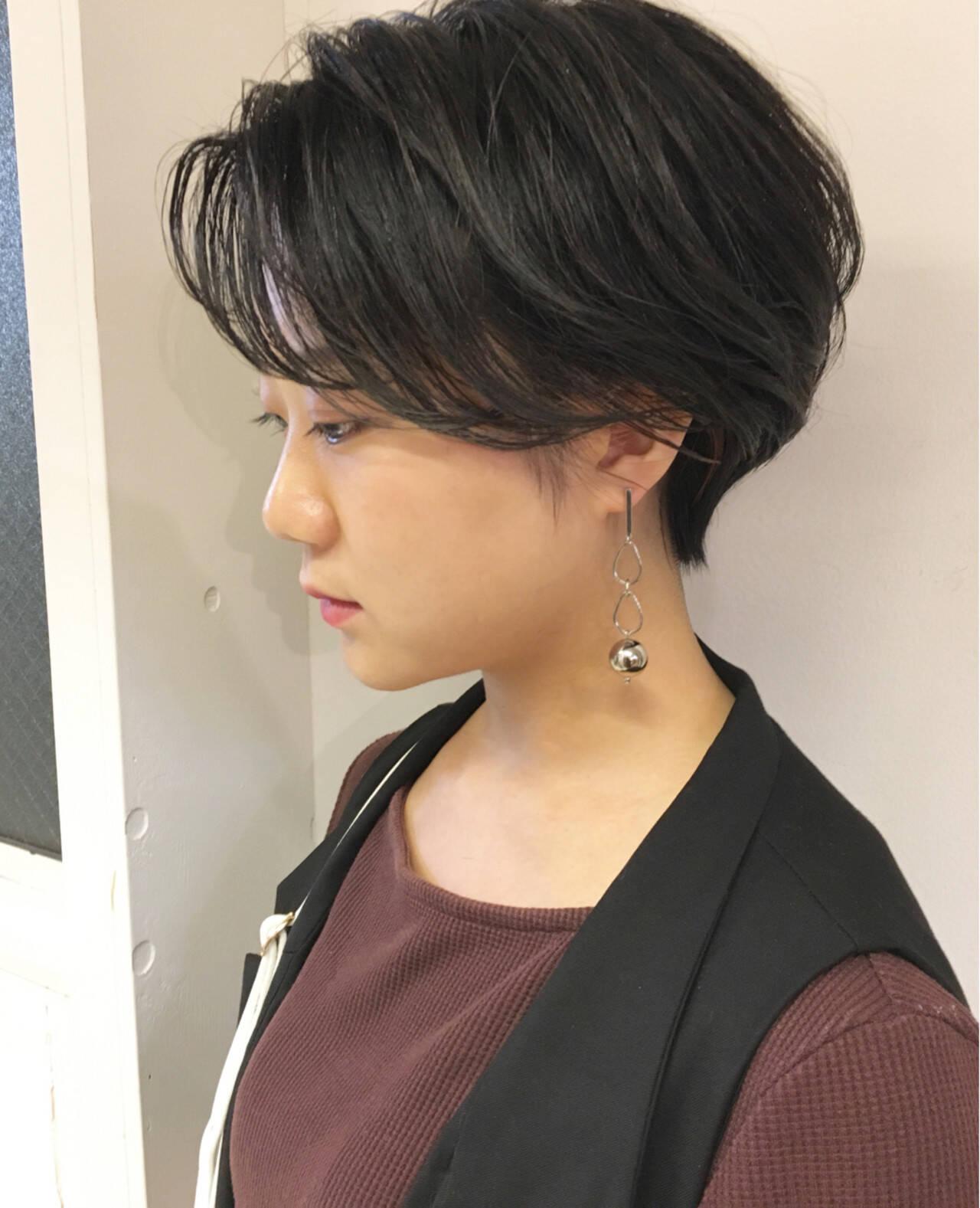 アウトドア ショート 簡単ヘアアレンジ オフィスヘアスタイルや髪型の写真・画像