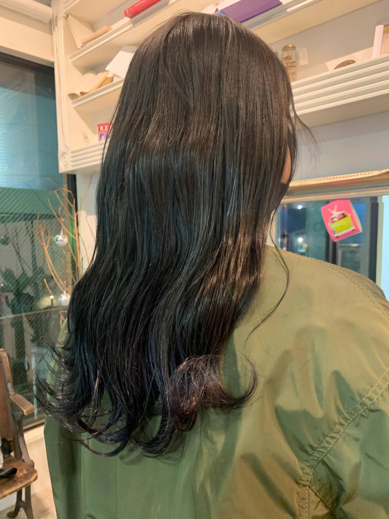 ナチュラル アッシュグレージュ グレーアッシュ グレージュヘアスタイルや髪型の写真・画像