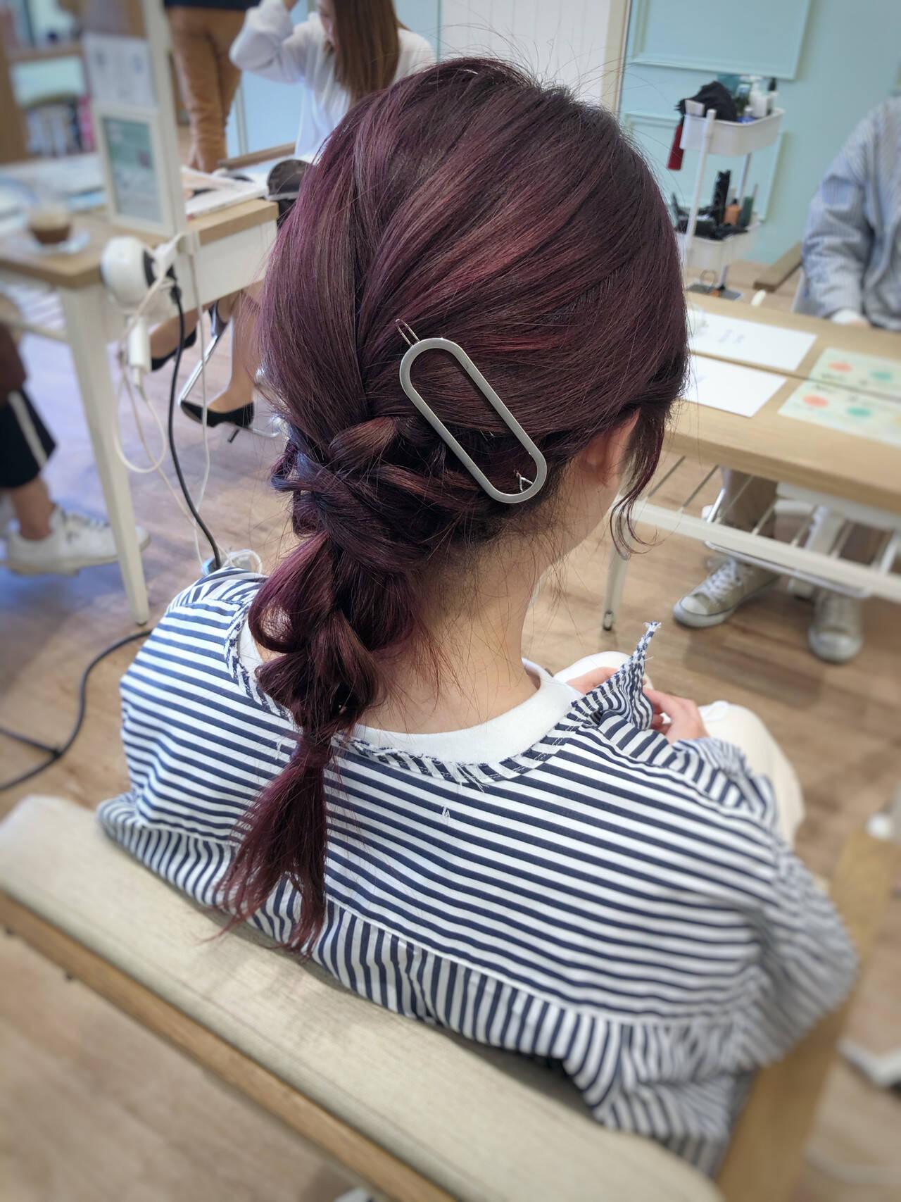 ヘアアレンジ セミロング ナチュラル オフィスヘアスタイルや髪型の写真・画像
