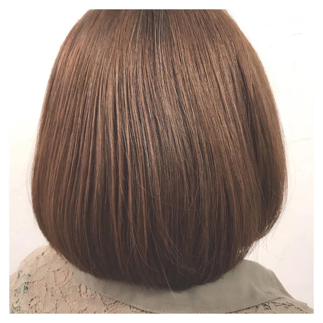オフィス アッシュ ボブ ナチュラルヘアスタイルや髪型の写真・画像