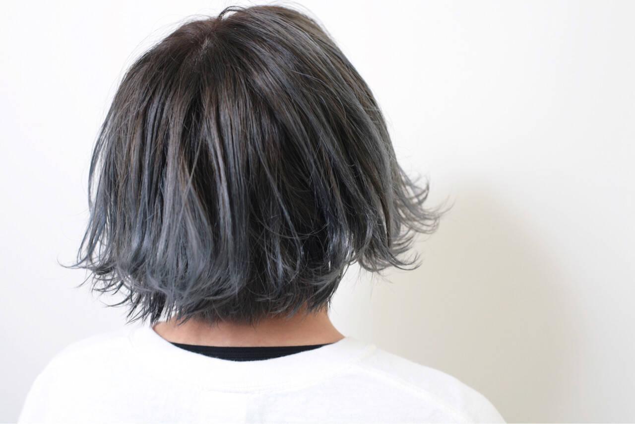 ショート 外ハネ モード グラデーションカラーヘアスタイルや髪型の写真・画像