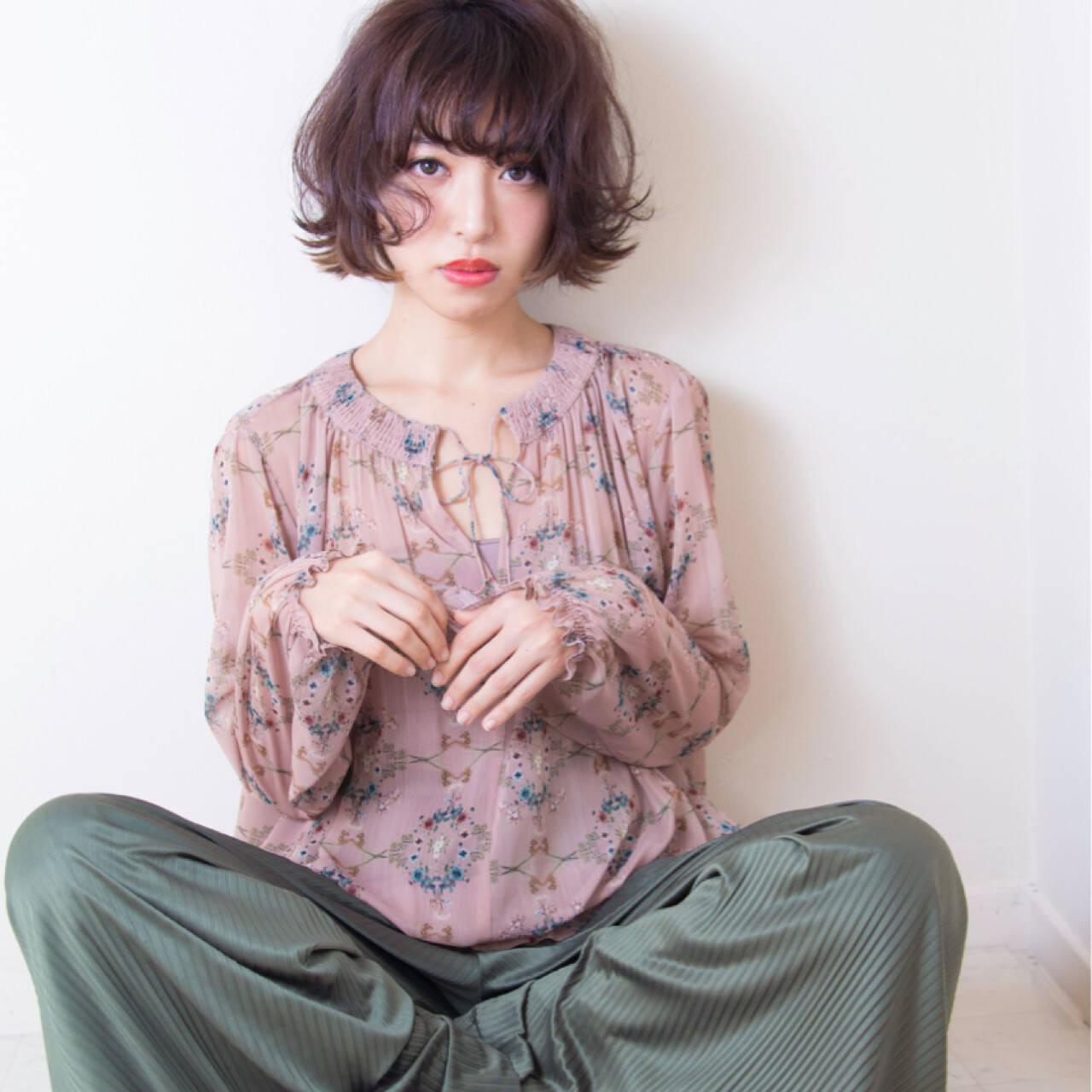 リラックス イルミナカラー ショート かわいいヘアスタイルや髪型の写真・画像
