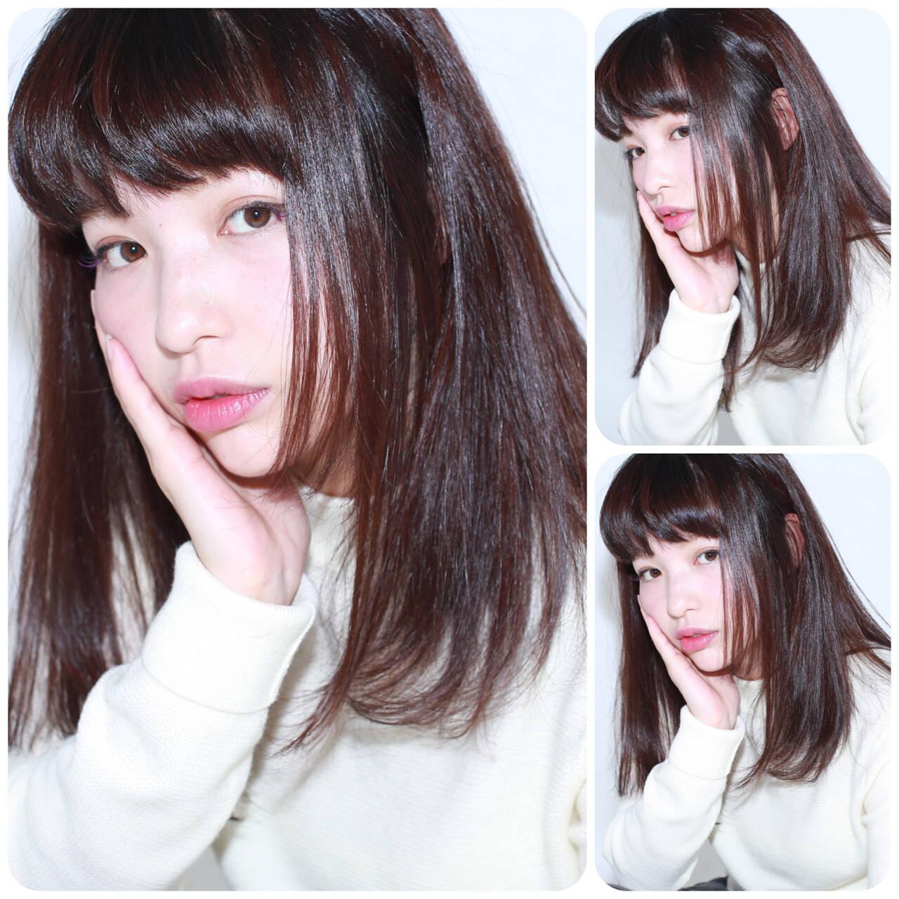 セミロング パープル 黒髪 イルミナカラーヘアスタイルや髪型の写真・画像