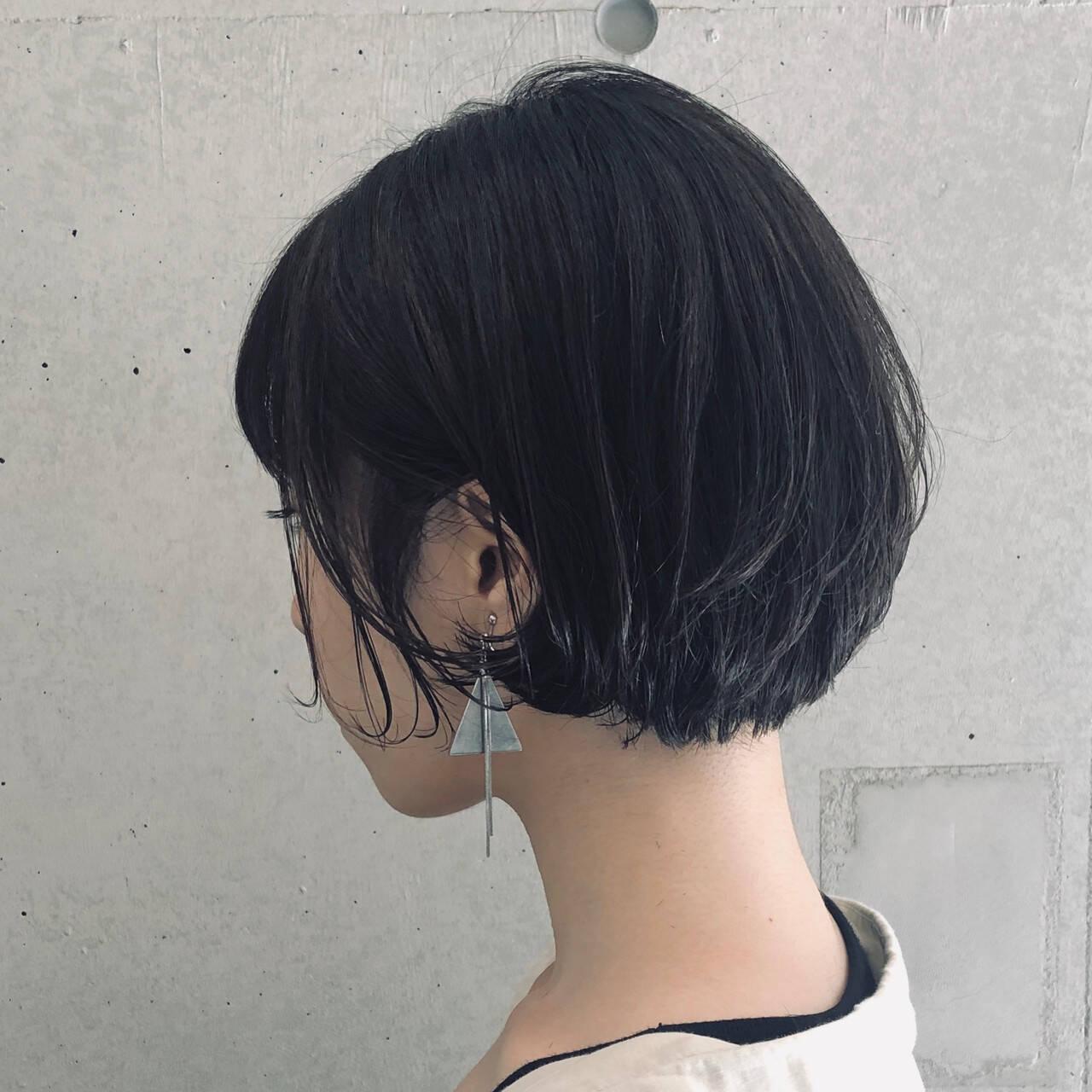 ショートパーマ ほつれウエーブ ショートボブ 大人女子ヘアスタイルや髪型の写真・画像