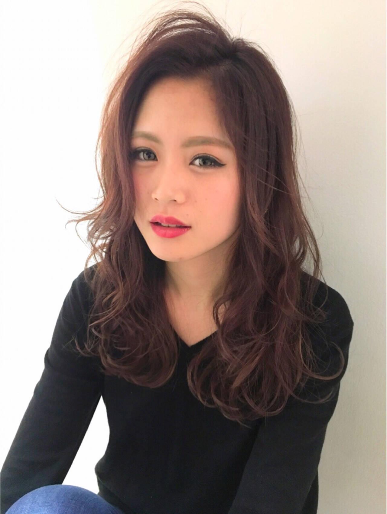 ロング 外国人風 レイヤーカット ベージュヘアスタイルや髪型の写真・画像